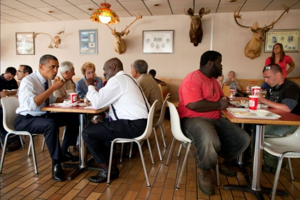 President Obama has lunch with Toledo Mayor Michael Bell