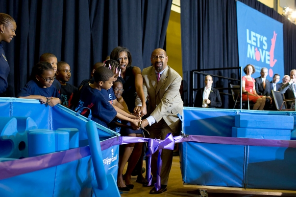 FLOTUS Cuts Ribbon with Mayor Nutter