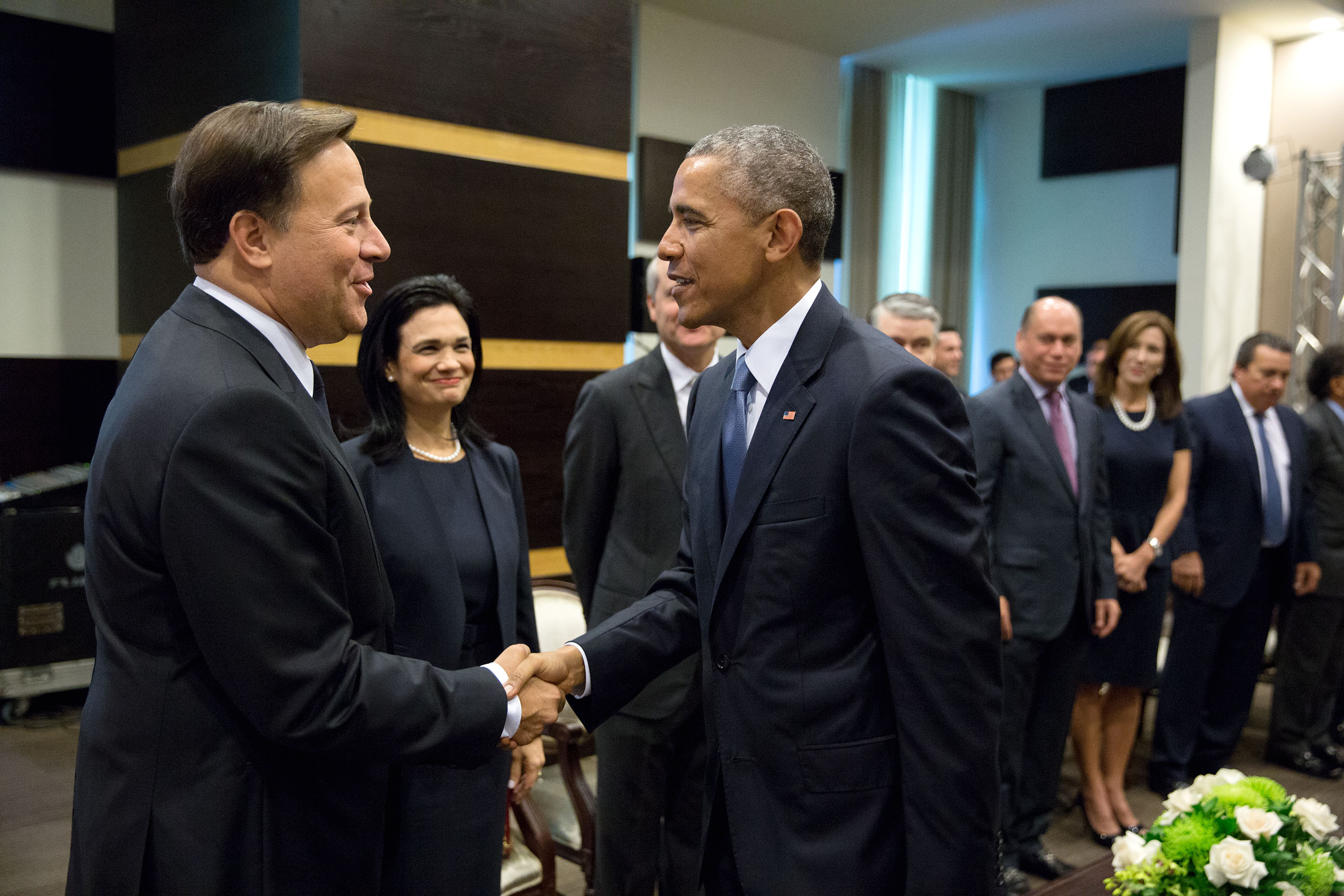 President Obama greets President Juan Carlos Varela of Panama, the host of the Summit of the Americas, before their bilateral meeting. (Official White House Photo by Pete Souza)