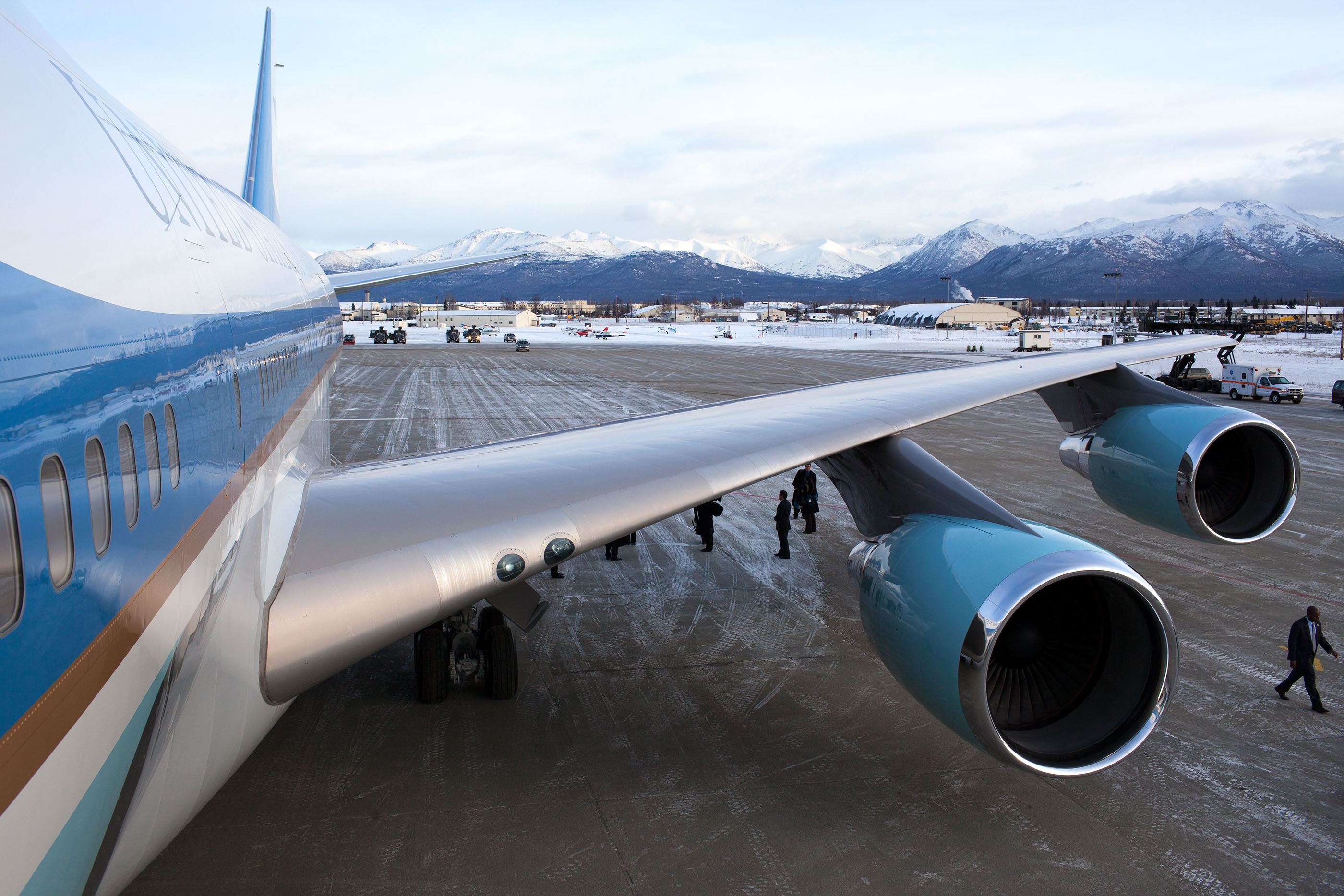 Alaska. Nov 12, 2009. Air Force One refueling at Elmendorf Air Force Base. (Official White House photo by Pete Souza)