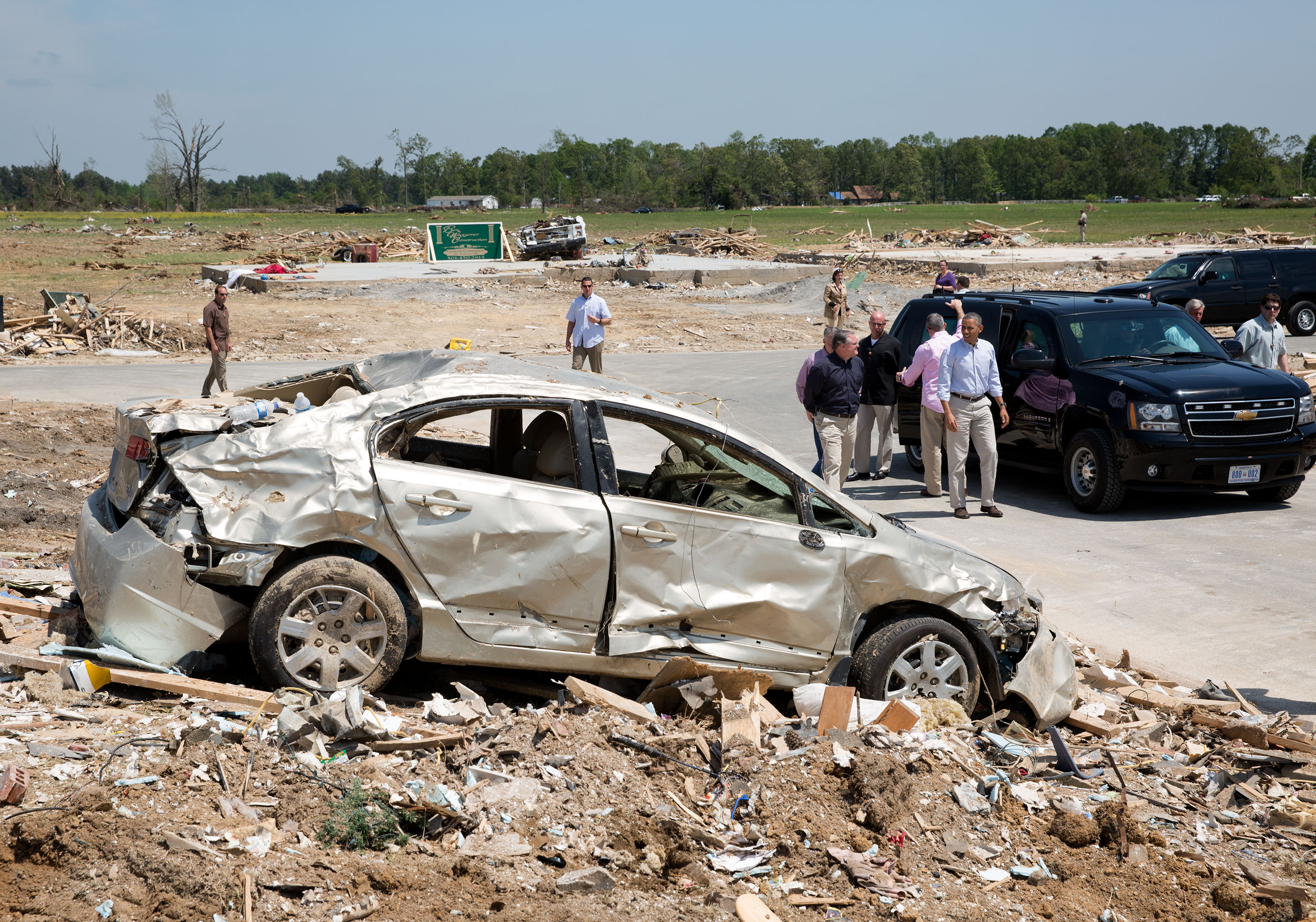 Arkansas. May 7, 2014. Touring tornado damage in Vilonia. (Official White House Photo by Pete Souza)