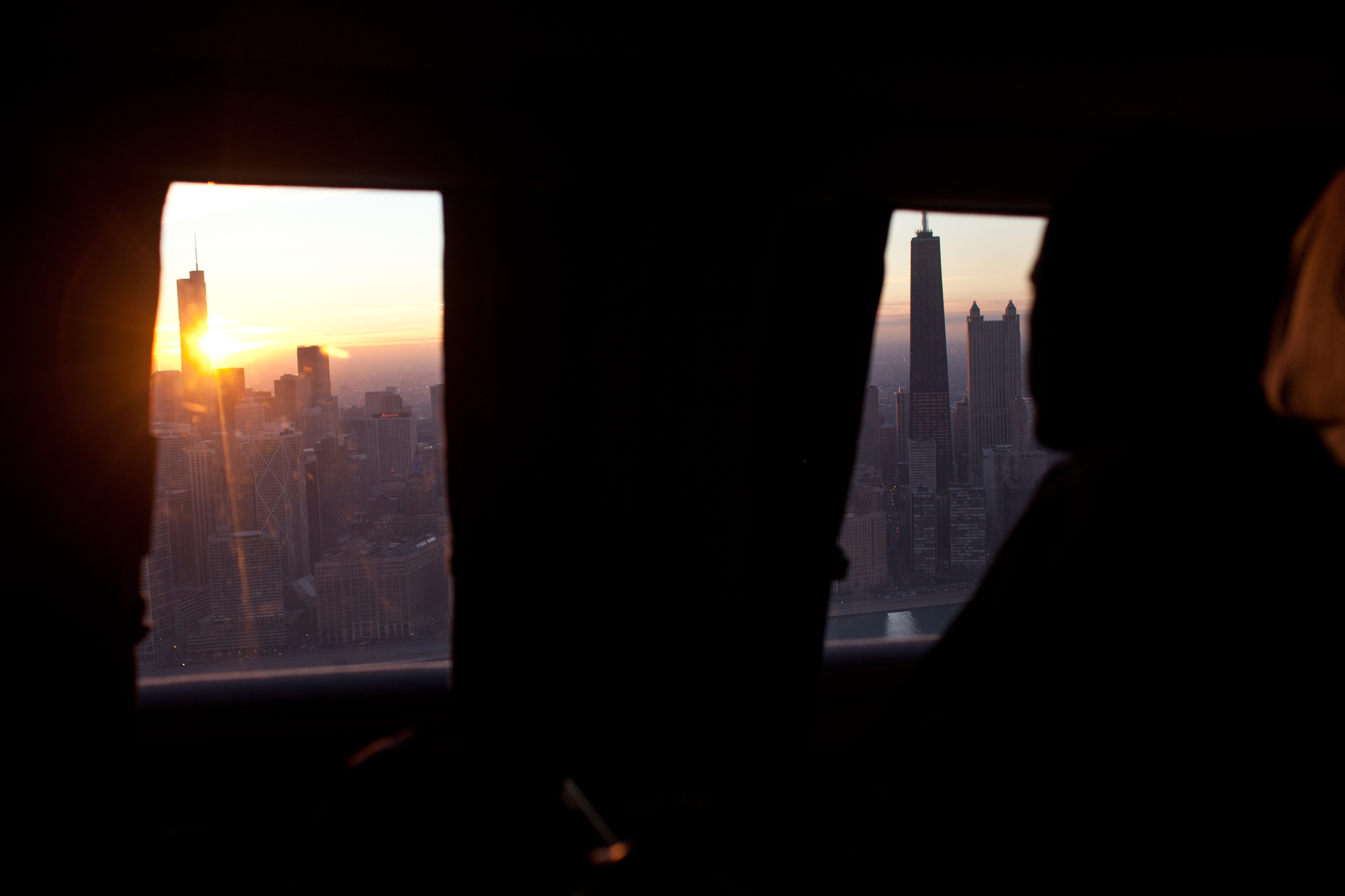 Illinois, Jan. 11, 2012. Viewing Chicago at sunset from Marine One. (Official White House Photo by Pete Souza)
