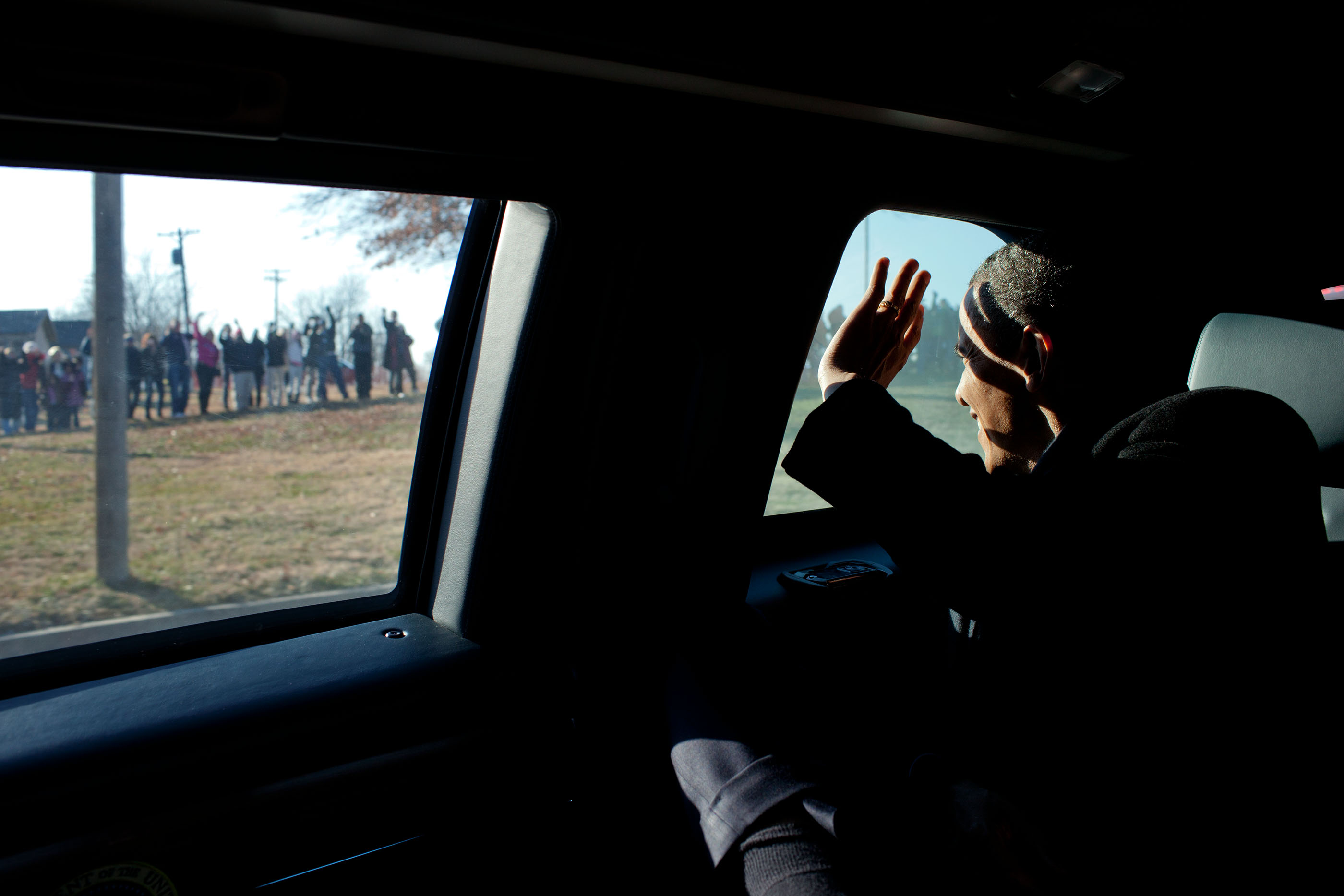 Kansas, Dec. 6, 2011. Waving to Kansans after his economic speech in Osawatomie. (Official White House Photo by Pete Souza)