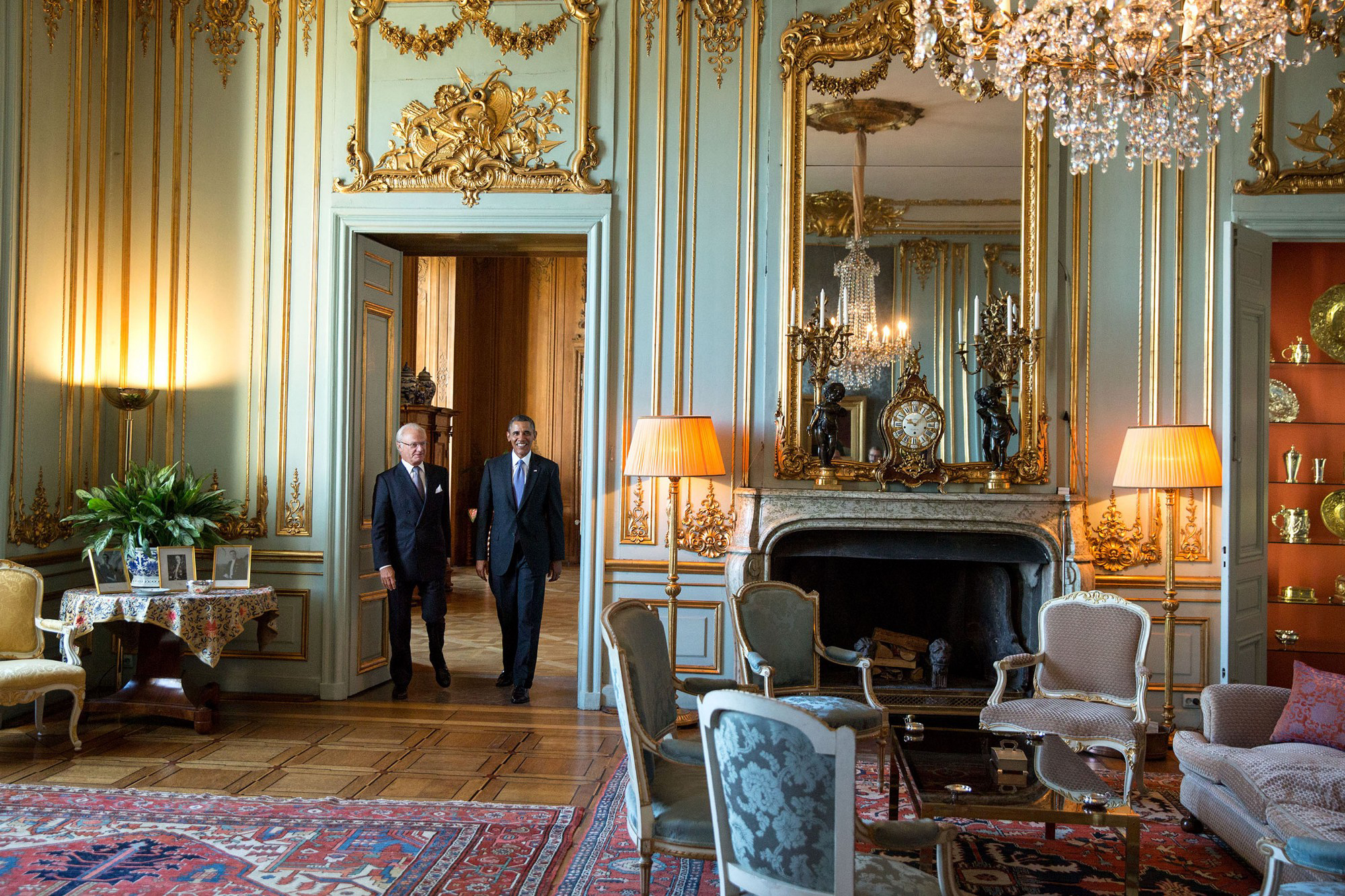 Filevisiting the royal palace with king carl xvi gustaf in stockholm sweden september 5 2013 jpg