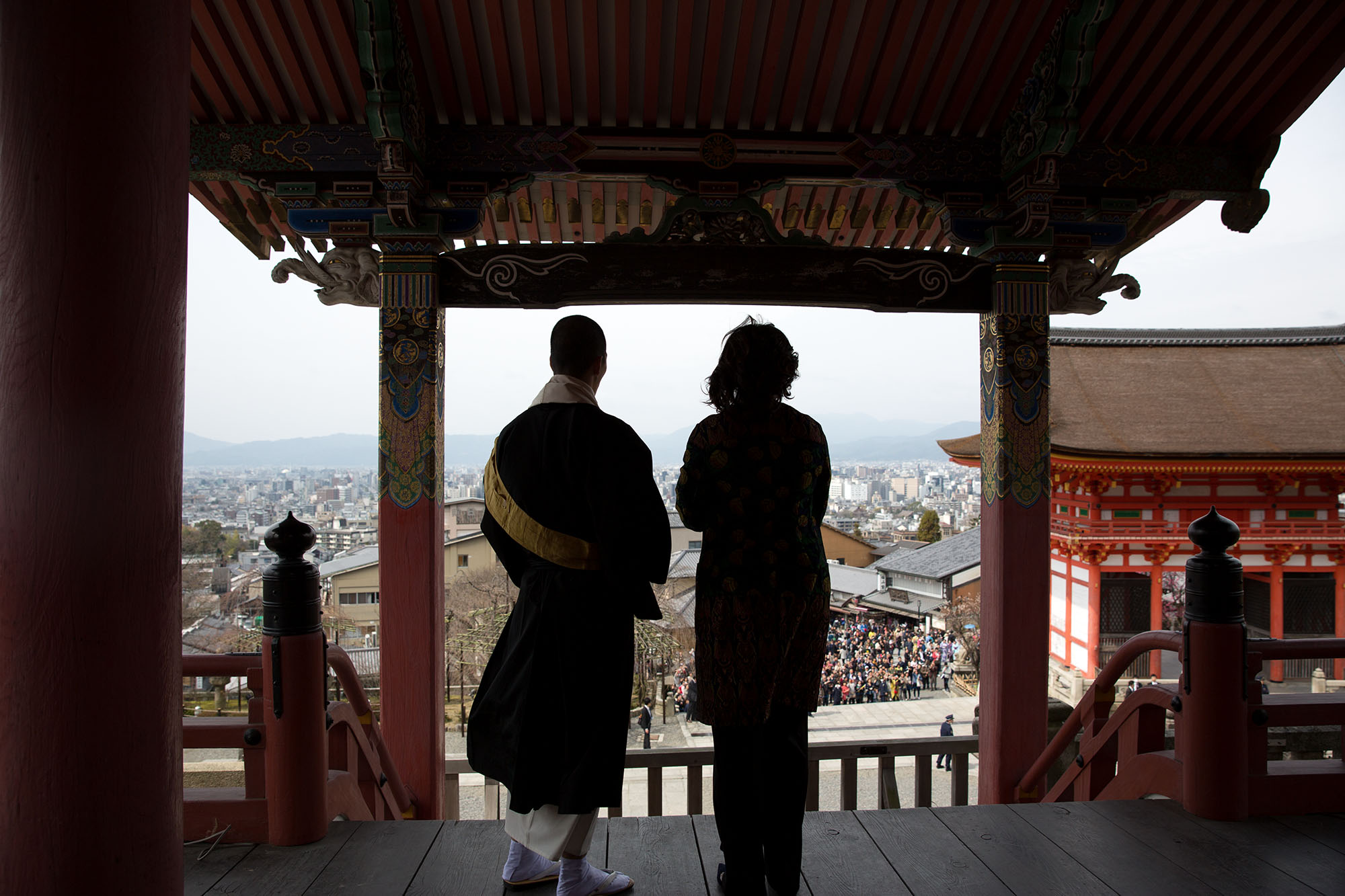 Senior Monk Eigen Onishi guides the First Lady on a tour of the temple. (Official White House Photo by Amanda Lucidon)