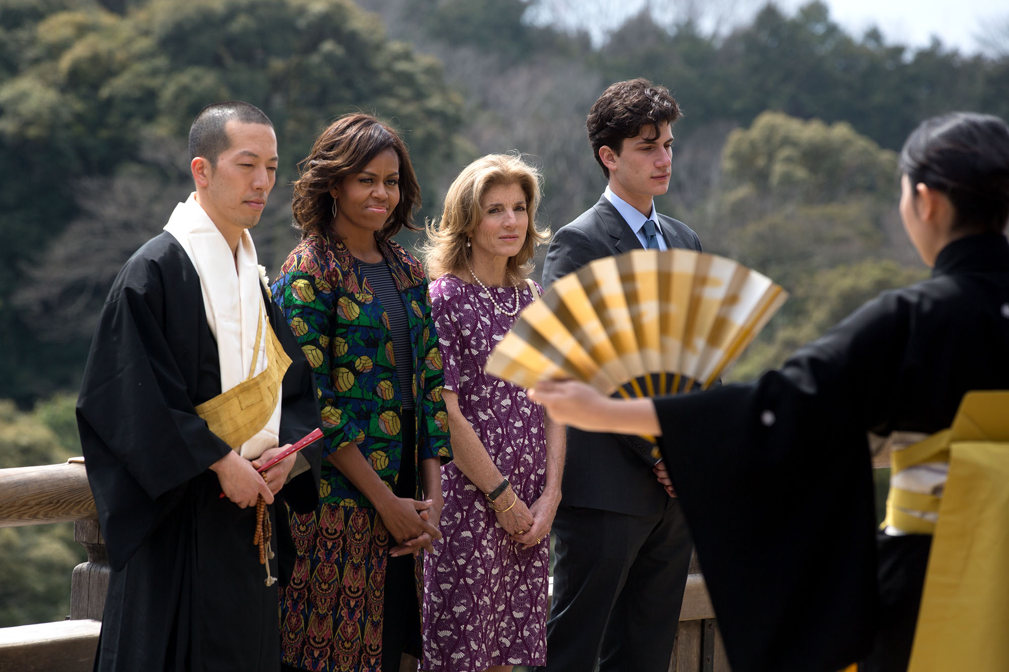 First Lady Michelle Obama, Eigen Onishi, Amb. Caroline Kennedy and Jack Schlossberg watch Noh dancers perform. (Official White House Photo by Amanda Lucidon)