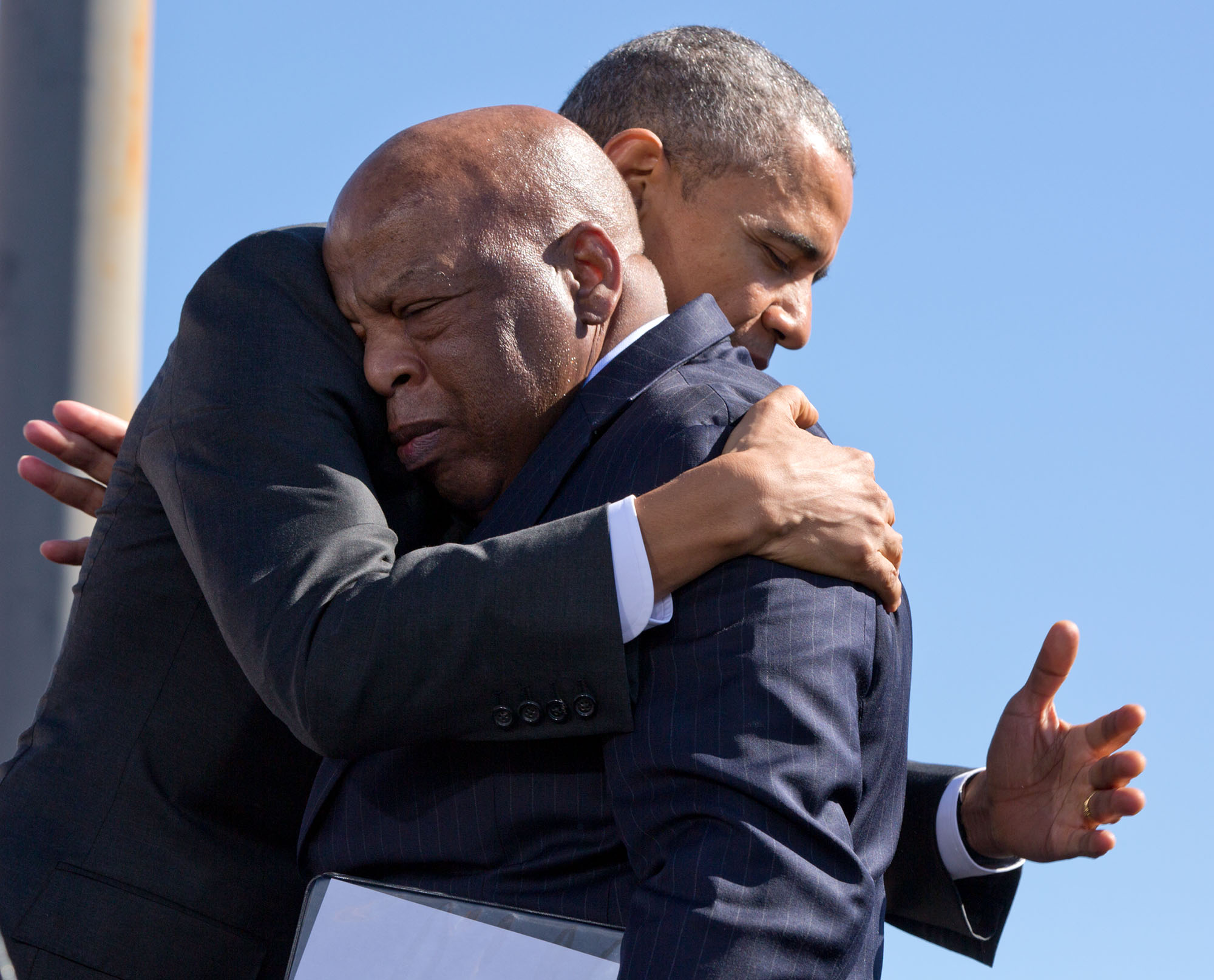 The President hugs Rep. John Lewis after his introduction. (Official White House Photo by Pete Souza)