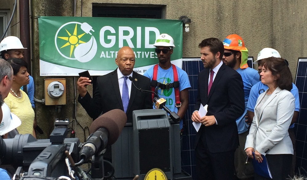 Congressman Cummings gives remarks launching a national Community Solar Partnership