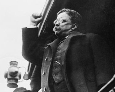 President Theodore Roosevelt campaigns on national insurance.