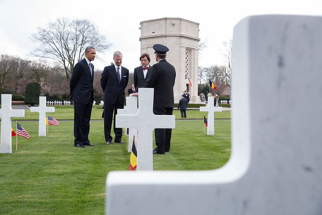 President Barack Obama, with His Majesty King Philippe and Prime Minister Elio Di Rupo, tours Flanders Field American Cemetery and Memorial, a World War I cemetery in Waregem, Belgium, March 26, 2014.
