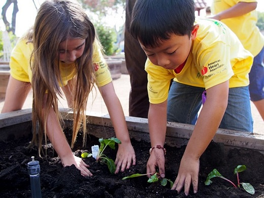 Students gardening at an elementary school. (Photo credit: U.S. Department of Education)