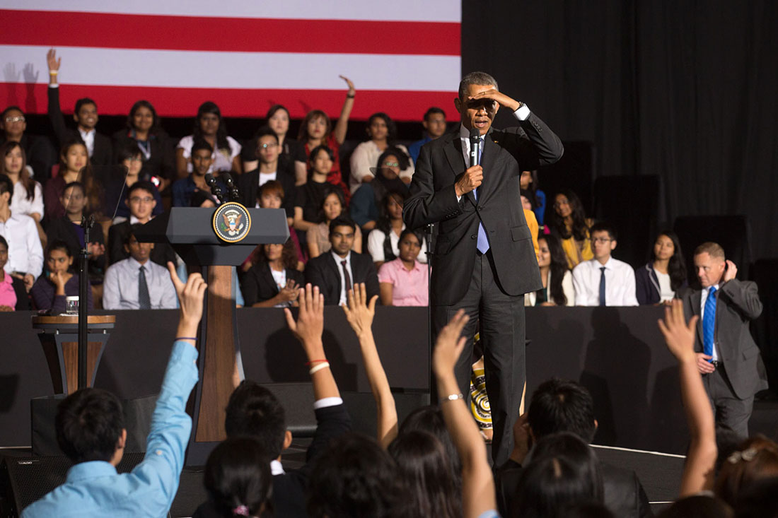 President Barack Obama meets with representatives from the Young Southeast Asian Leaders Initiative (YSEALI) for a town hall meeting at the University of Malaya in Kuala Lumpur, Malaysia, April 27, 2014.
