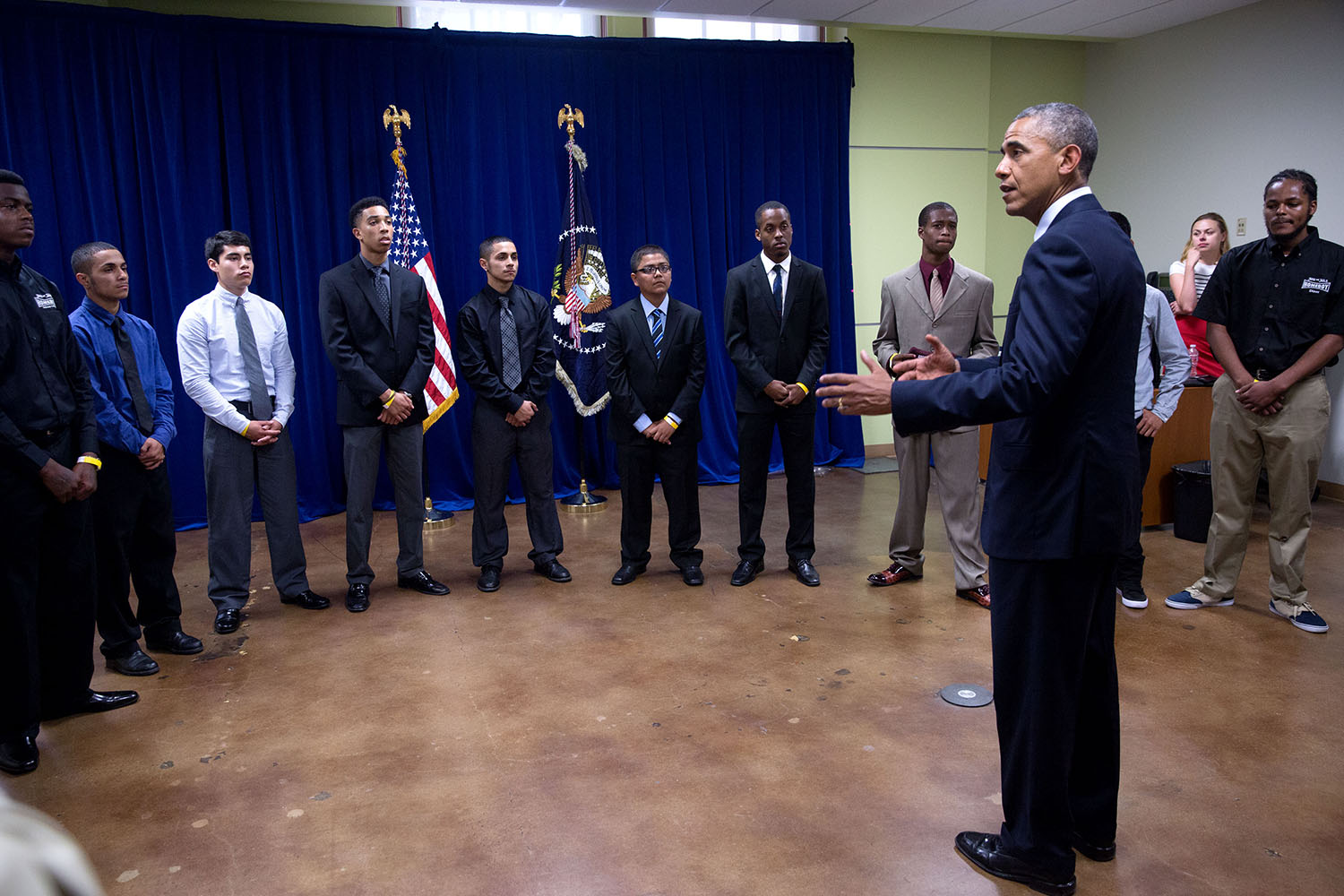 President Obama talks with MBK participants at Los Angeles Trade-Technical College