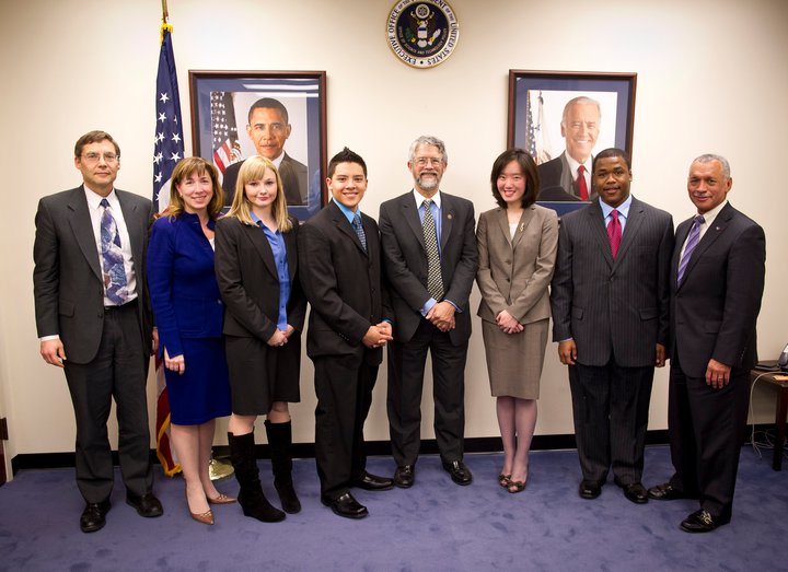 Dr. Holdren meets with SOTU STEM kids