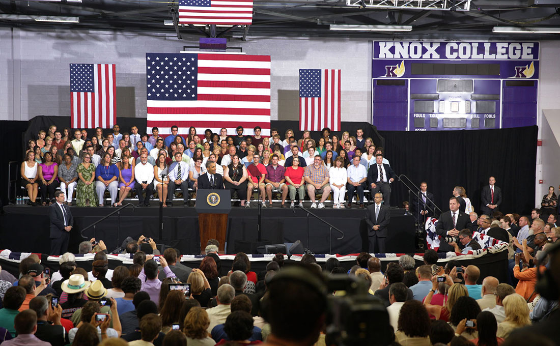 President Barack Obama delivers a speech on the economy at Knox College in Galesburg, Ill