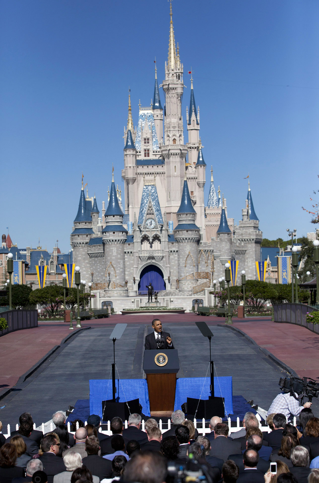 President Obama talks tourism at Walt Disney World