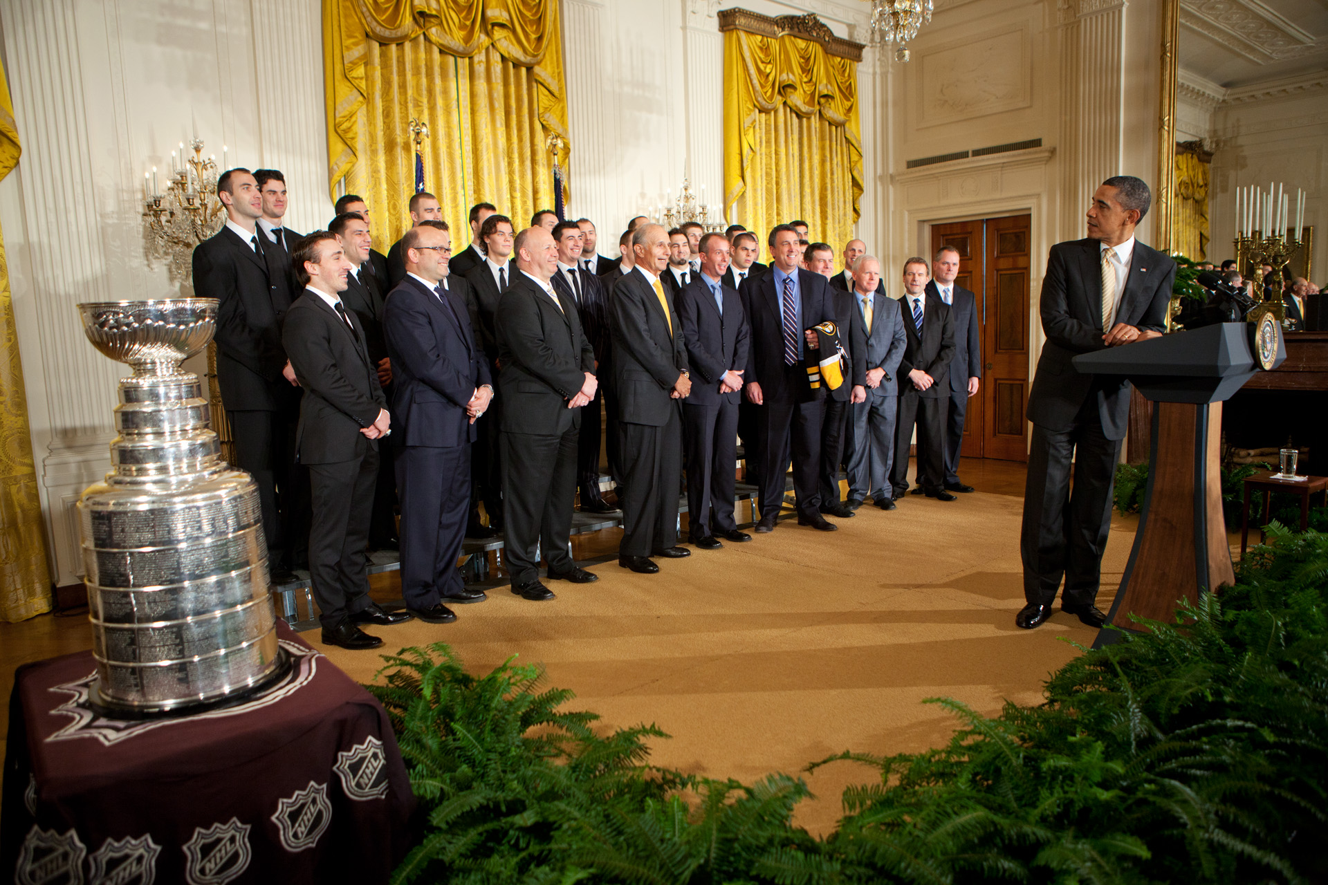 President Obama welcomes the Boston Bruins to the White House