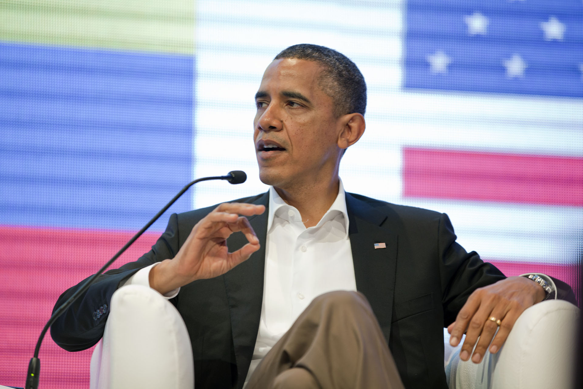 President Barack Obama participates in the CEO Summit of the Americas panel discussion (April 14, 2012)