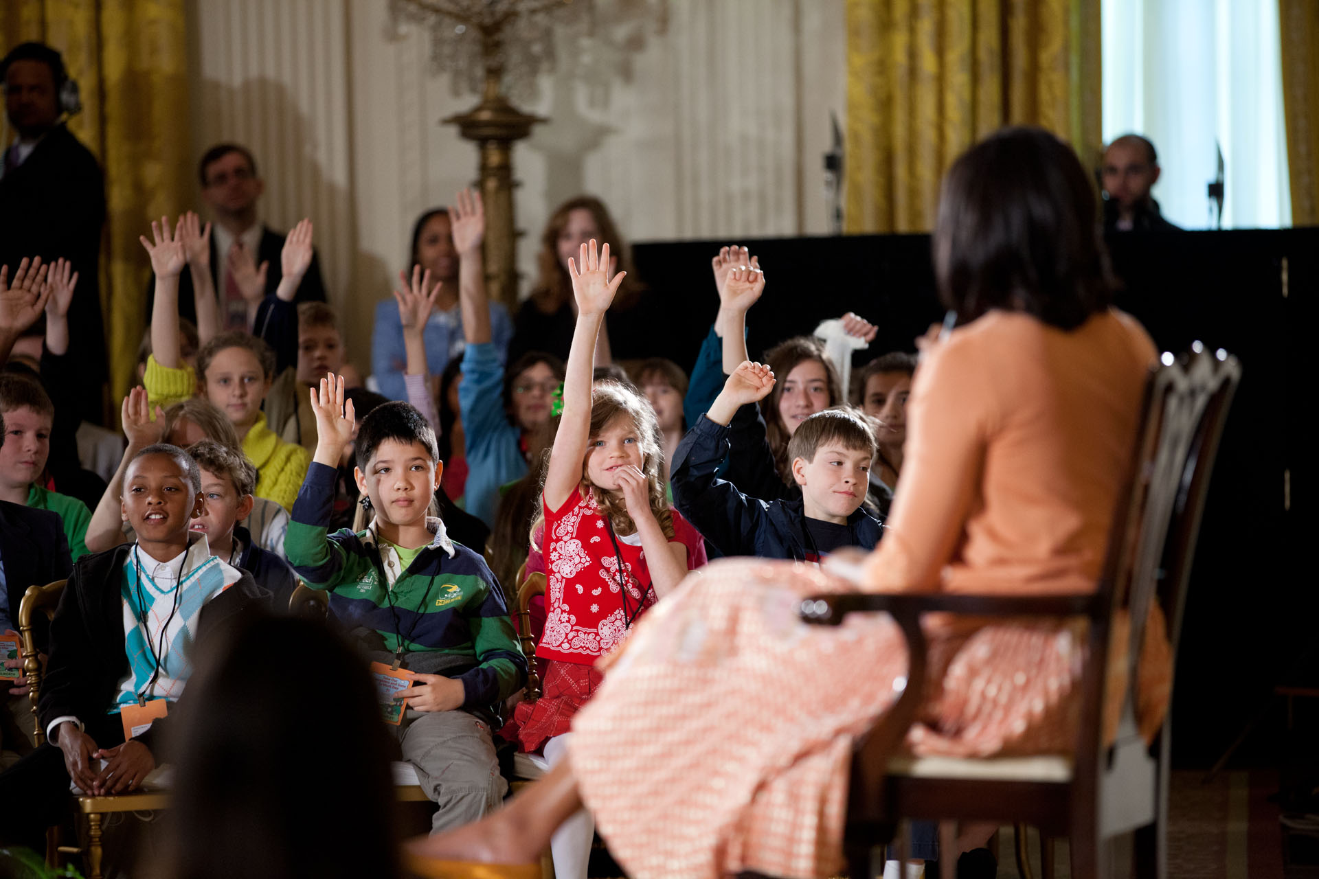 Children of White House staff raise their hands to ask First Lady Michelle Obama a question (April 26, 2012)