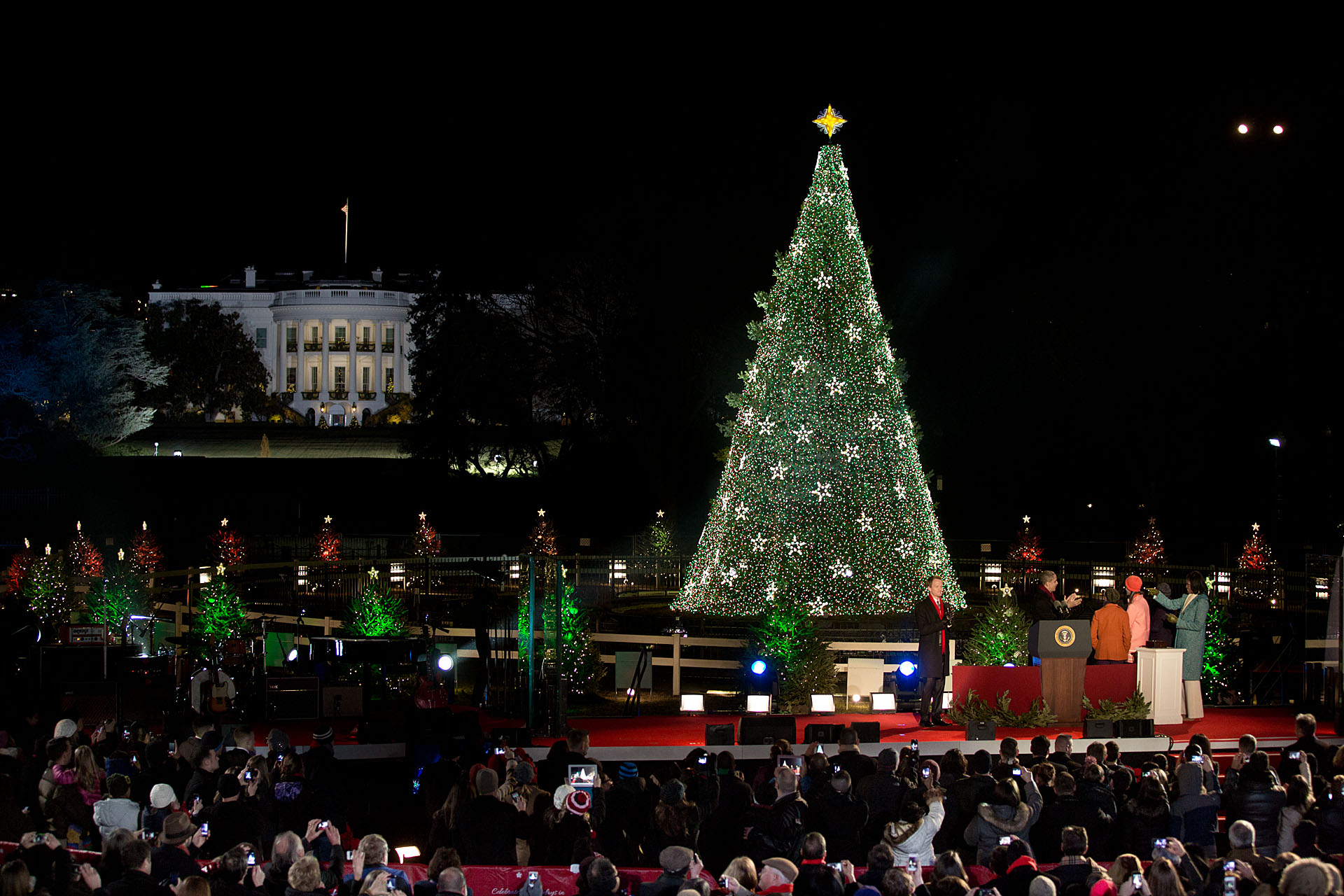 The lighting of the National Christmas Tree (December 6, 2012)