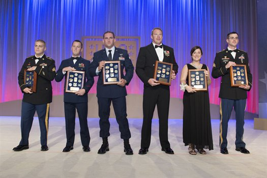 USO Service Members of the Year on Stage at the 2014 USO Gala