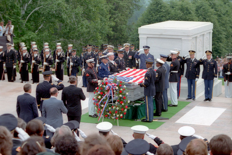 President Reagan attends Memorial Day services