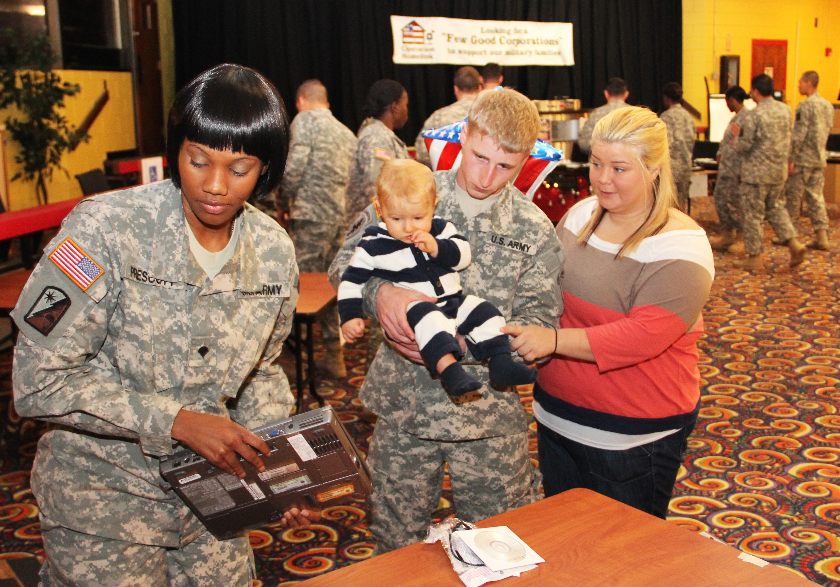 100  Soldier Families Receive Computers at Yntema Club, Fort Bragg, NC