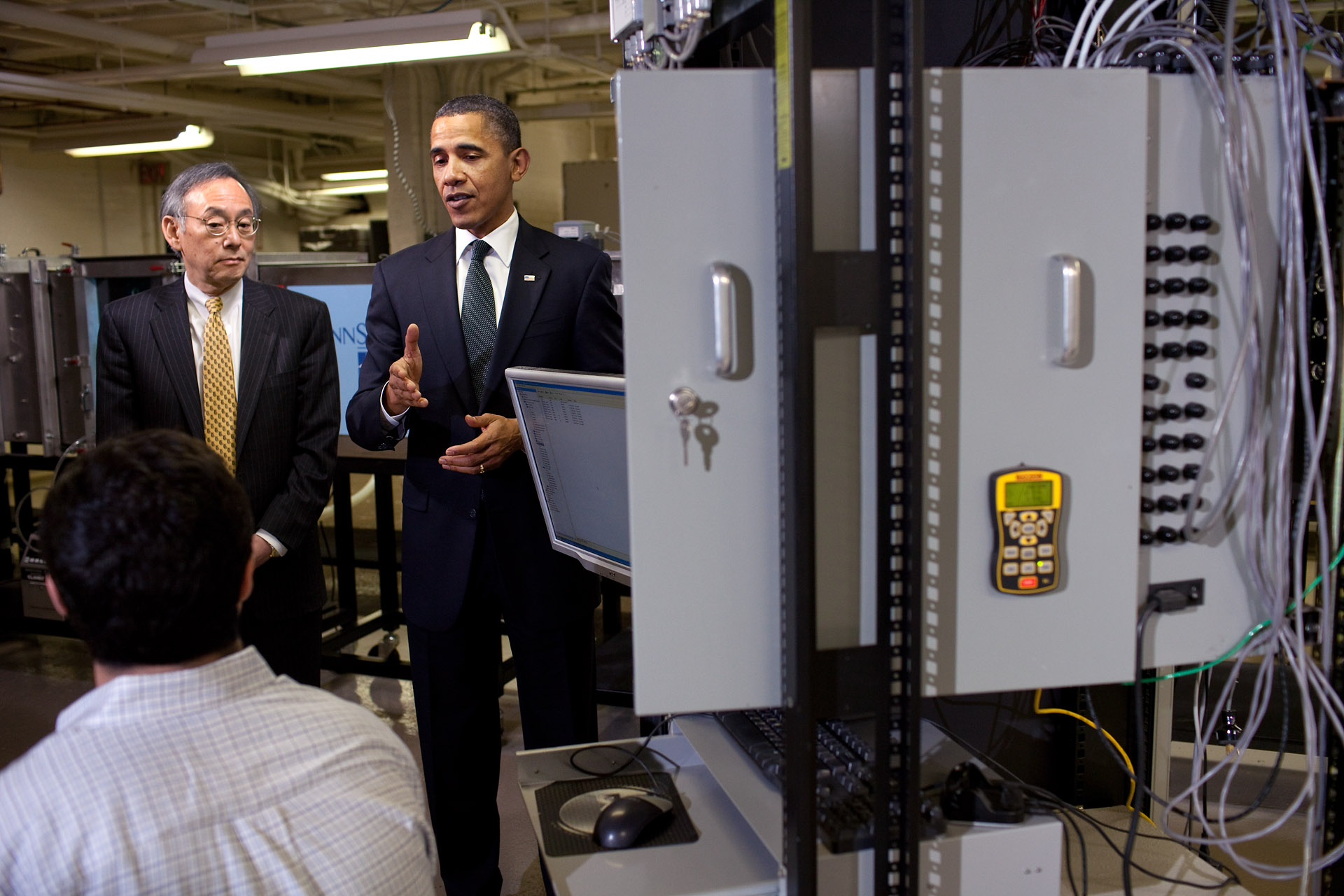 President Obama and Energy Secretary Chu Tour Innovation Hub in State College