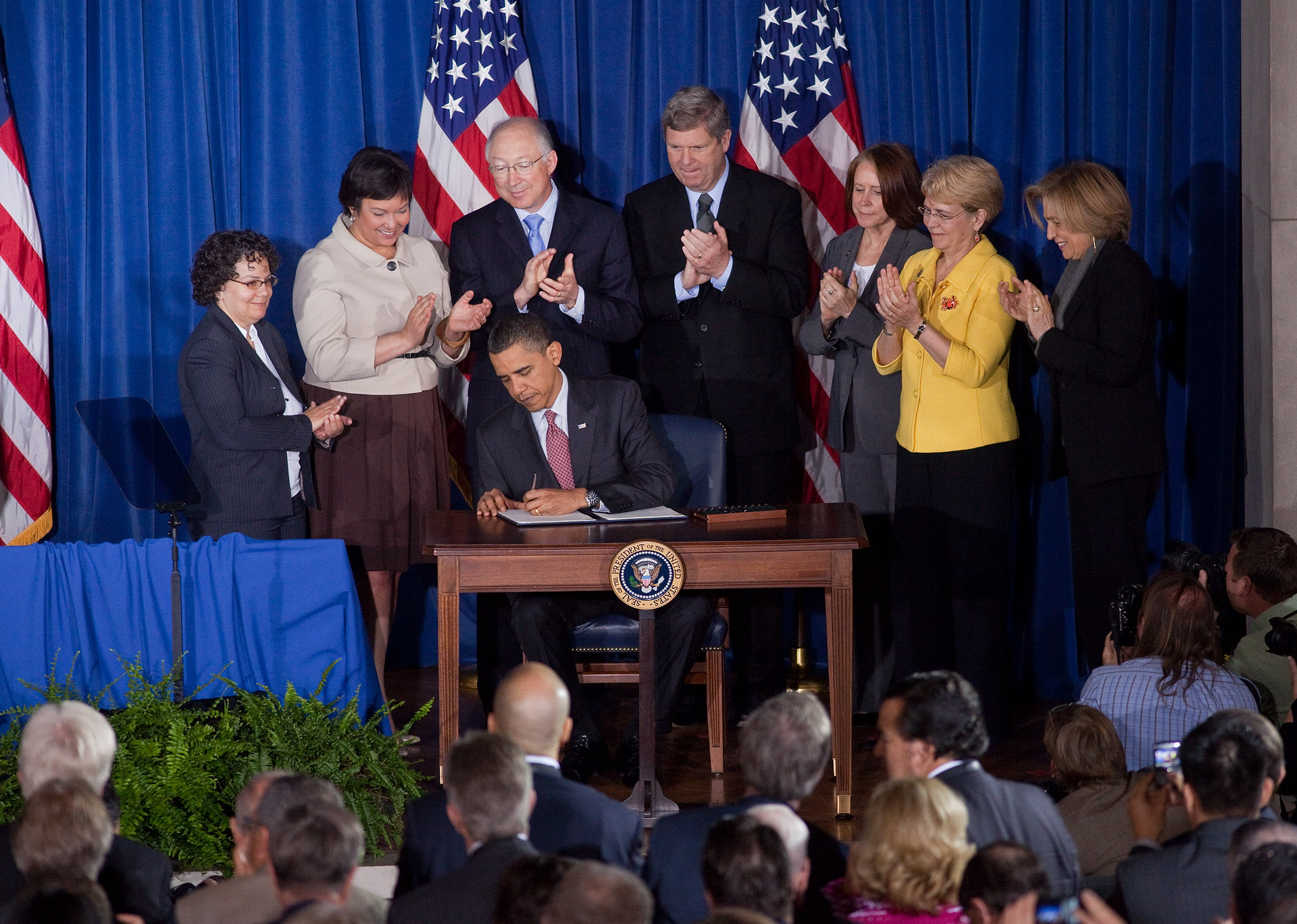 President Obama Signs Memorandum on America's Great Outdoors Initiative