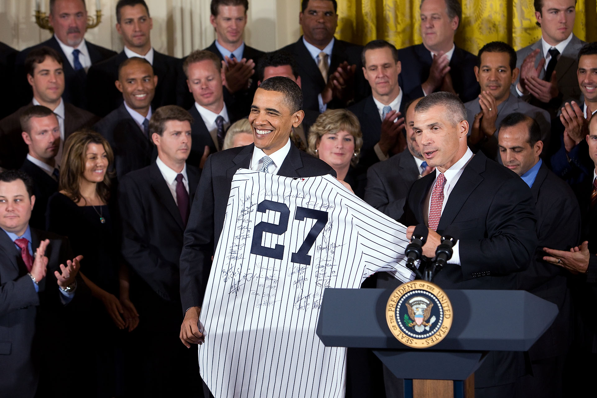 NY Yankees Manager Joe Girardi Presents President with Signed Jersey