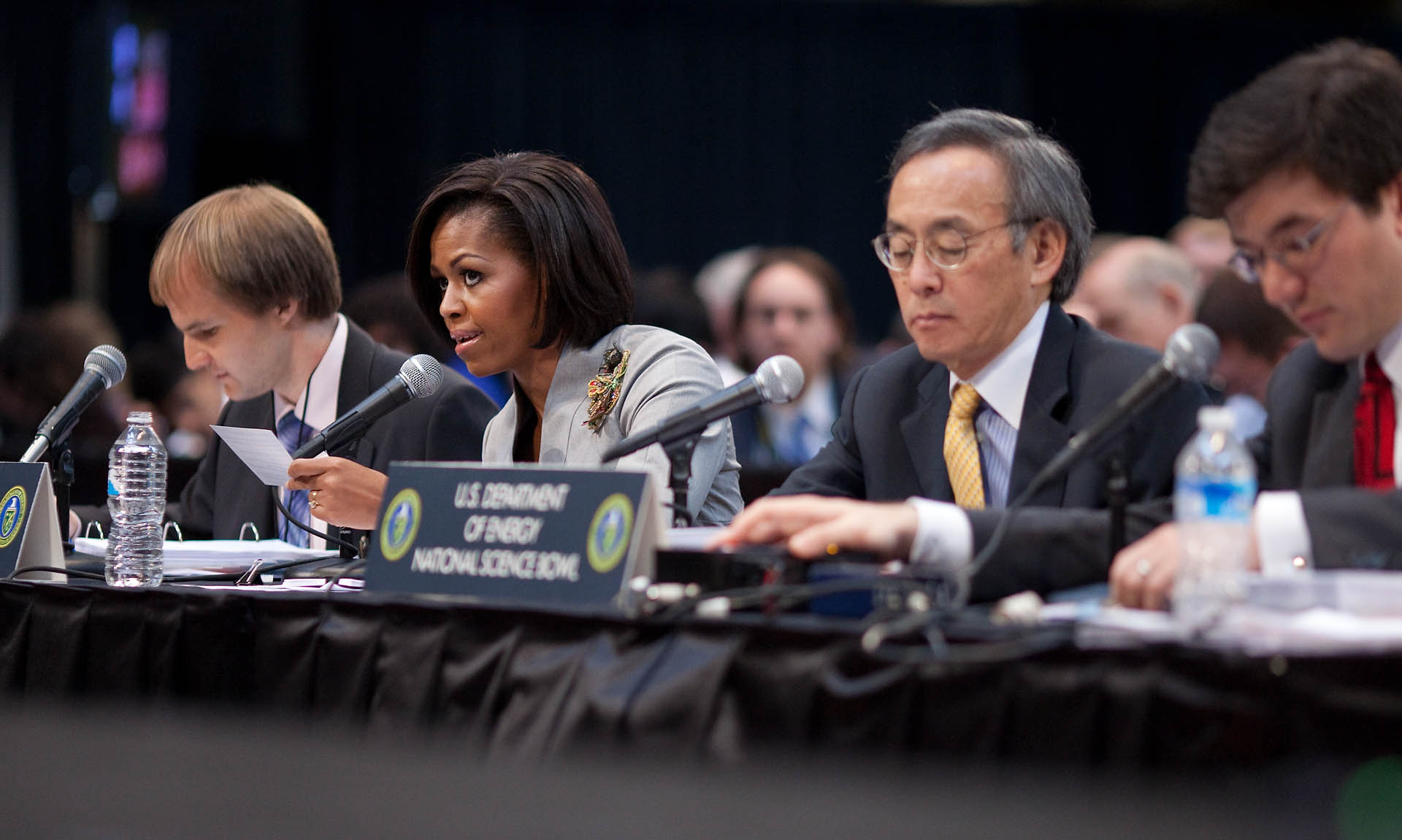 First Lady Michelle Obama and Energy Secretary Steven Chu ask the championship round bonus point questions
