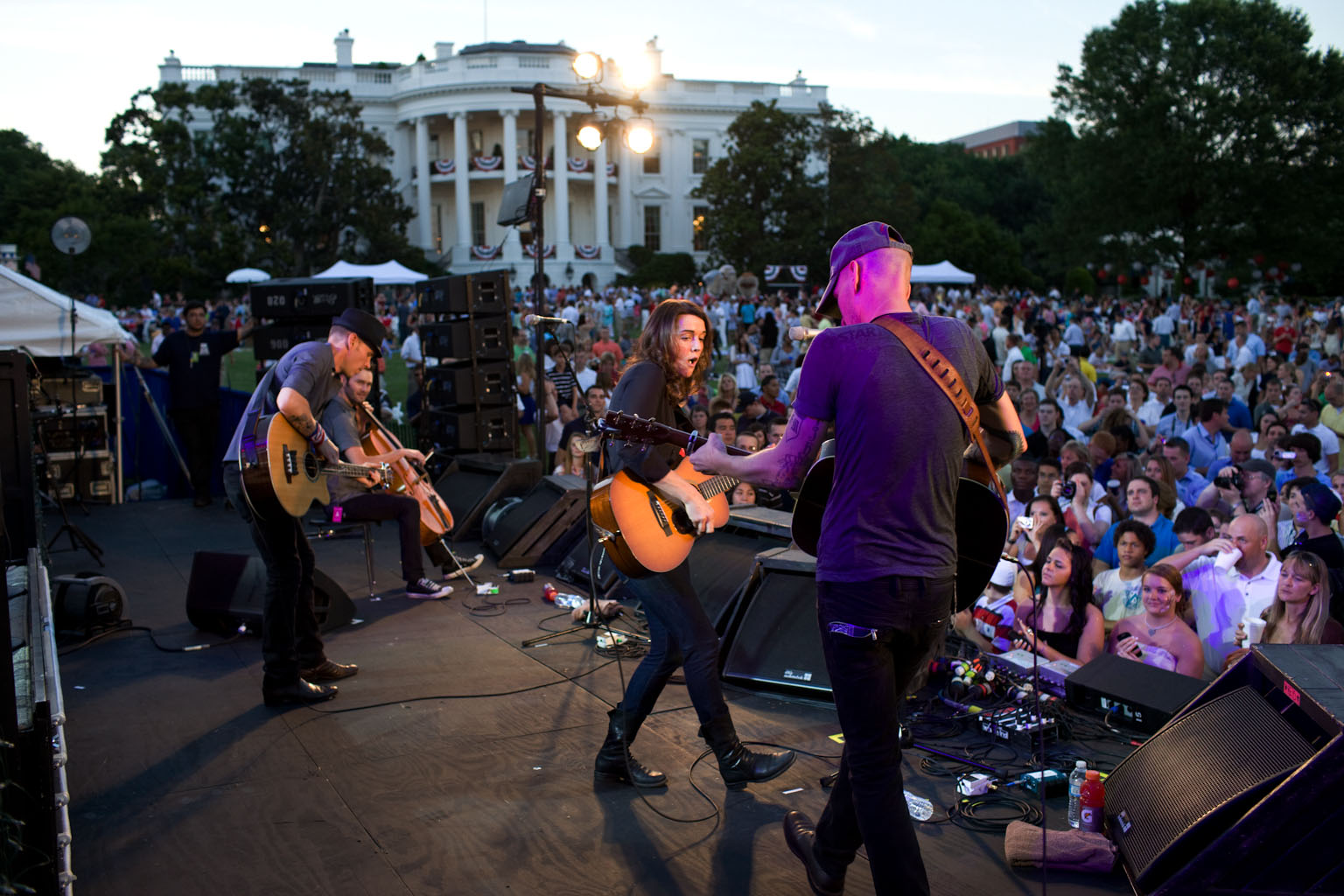 Brandi Carlile and her band perform for military families