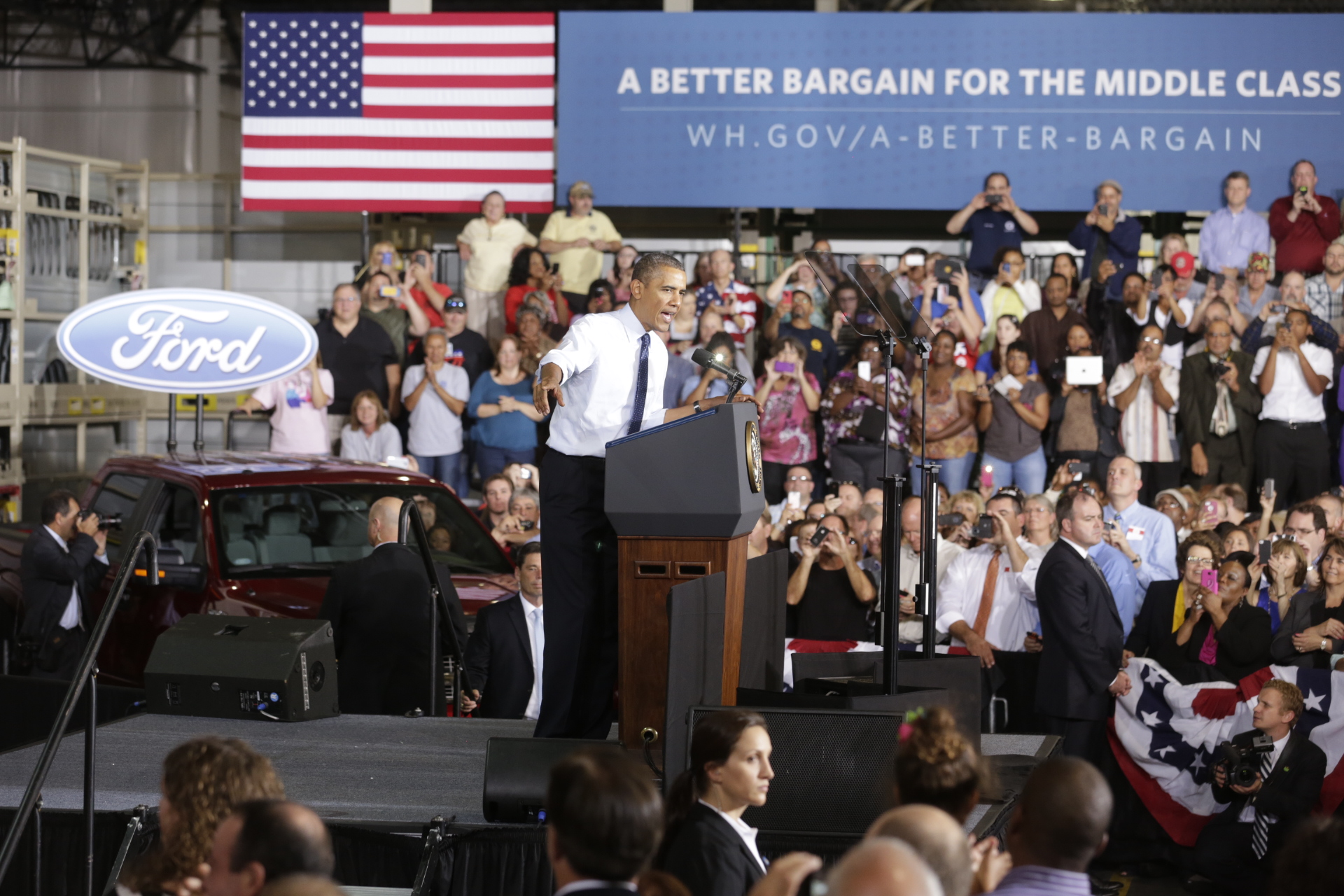 President Barack Obama delivers remarks on the economy at the Ford Kansas City Stamping Plant