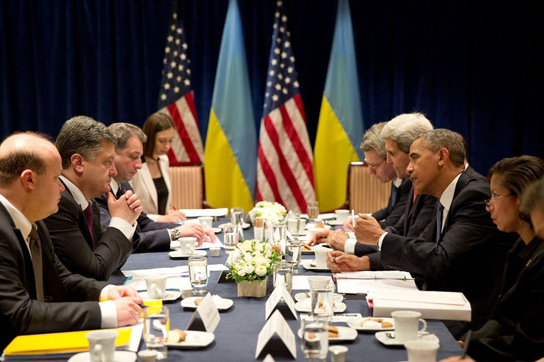 President Barack Obama meets with President-elect Petro Poroshenko of Ukraine during a bilateral meeting in Warsaw