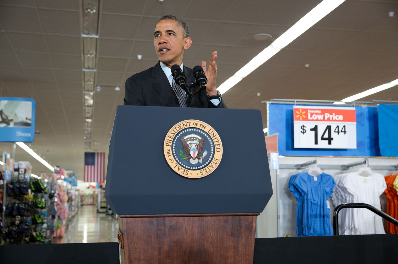 President Barack Obama delivers remarks on energy efficiency, at the Walmart in Mountain View, California