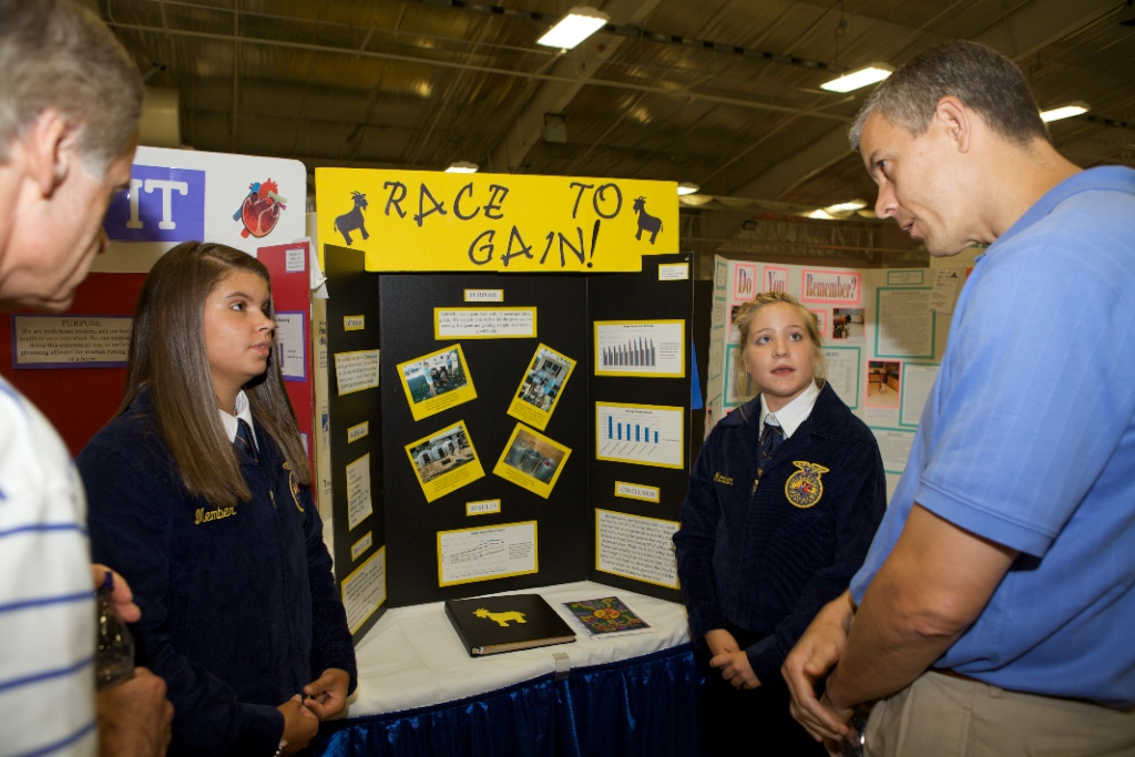 Secretary Arne Duncan Attends the Delaware State Fair