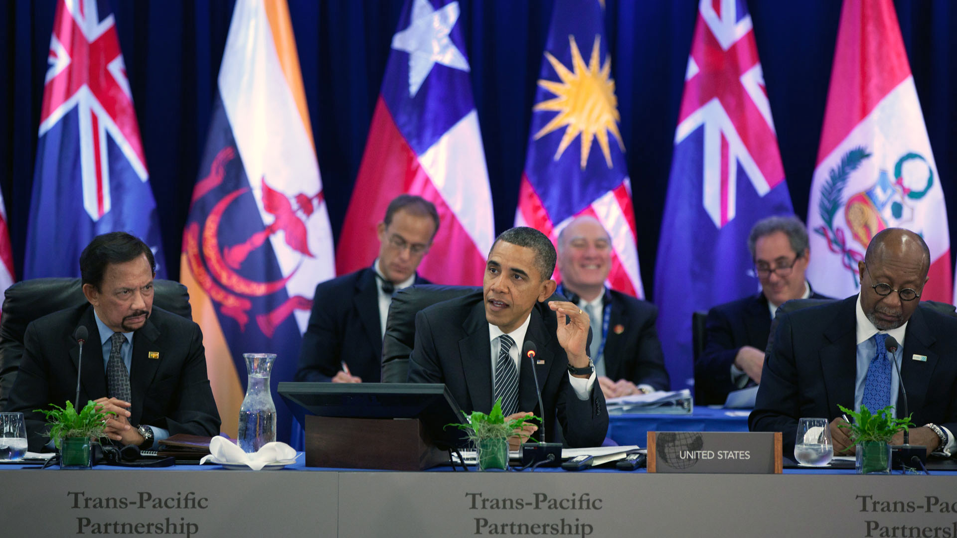 President Barack Obama meets with the Trans-Pacific Partnership at the APEC