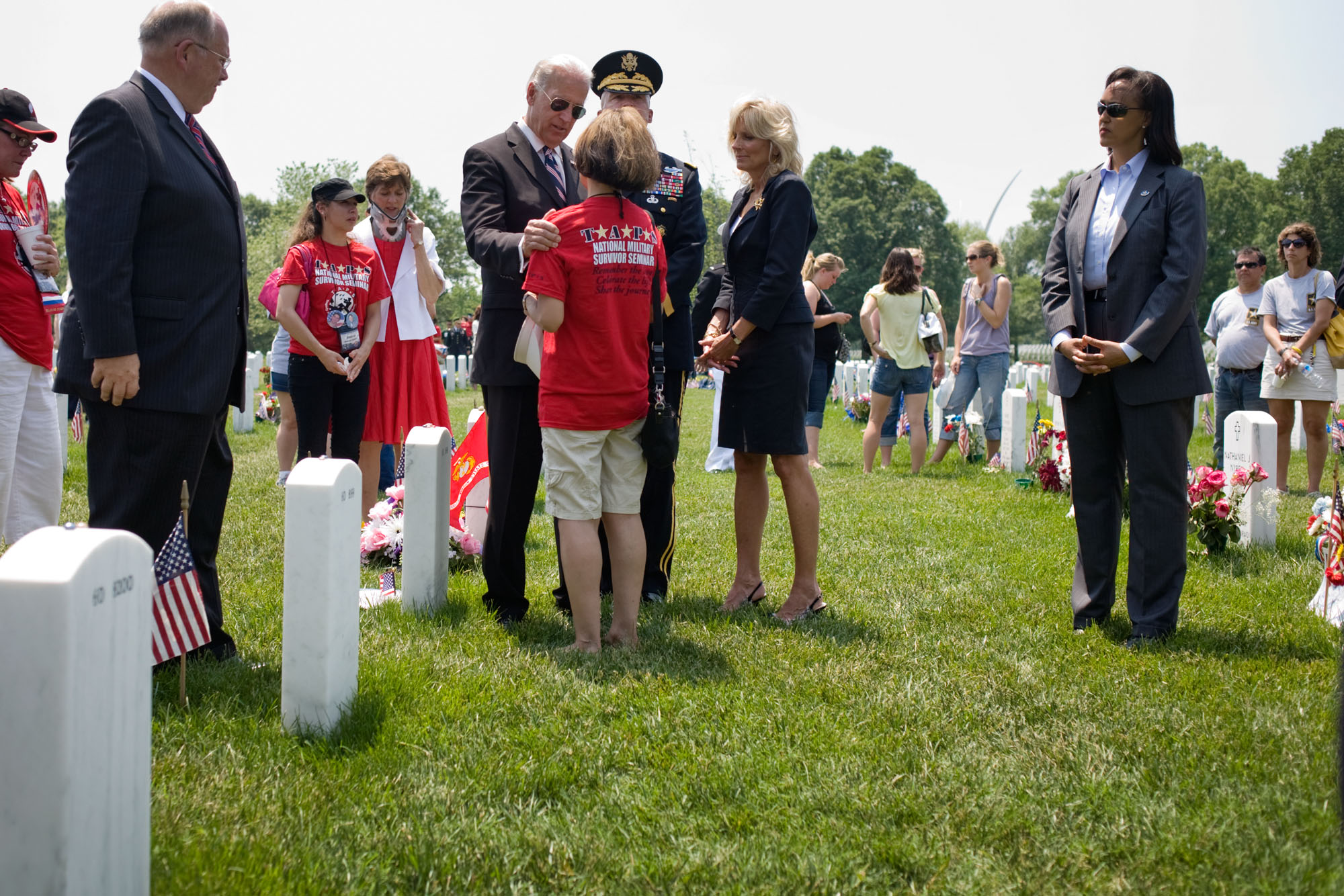 Vice President Biden and Dr. Jill Biden Visit with Families in Arlington
