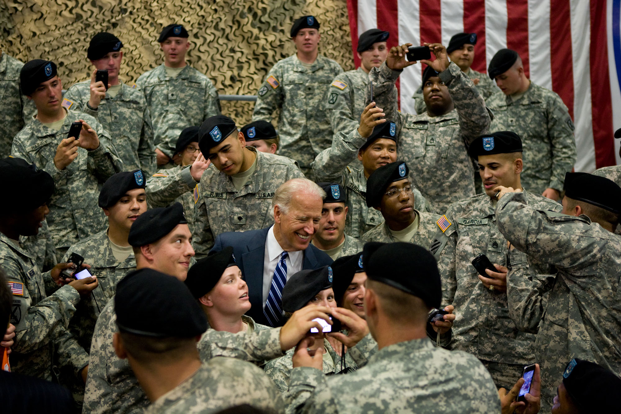 Vice President Biden and Dr. Jill Biden Take Photos at Welcome Home Ceremony at Fort Drum in New York