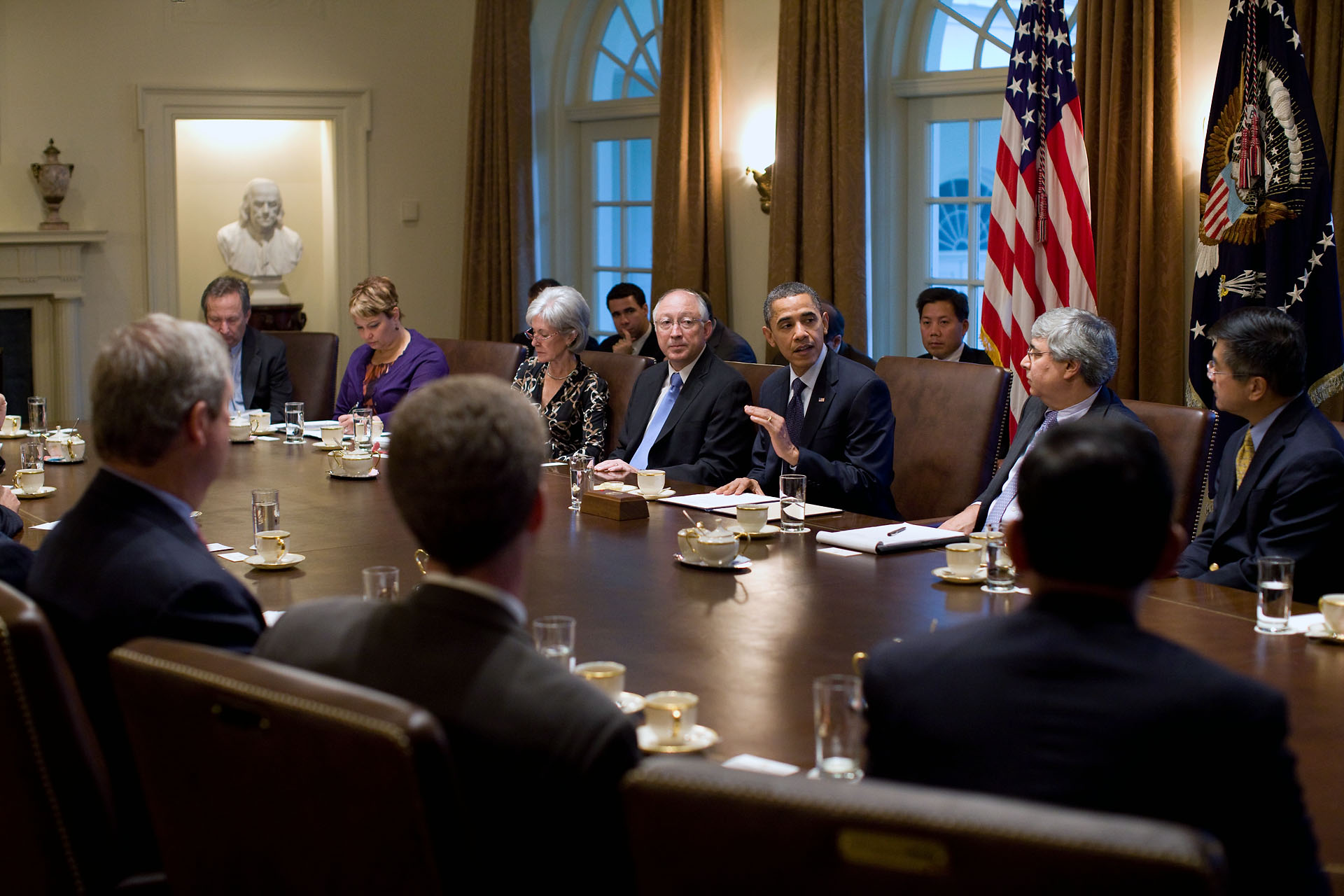 Obama And Cabinet President Obama Invites Bipartisan Meeting On The Economy Not
