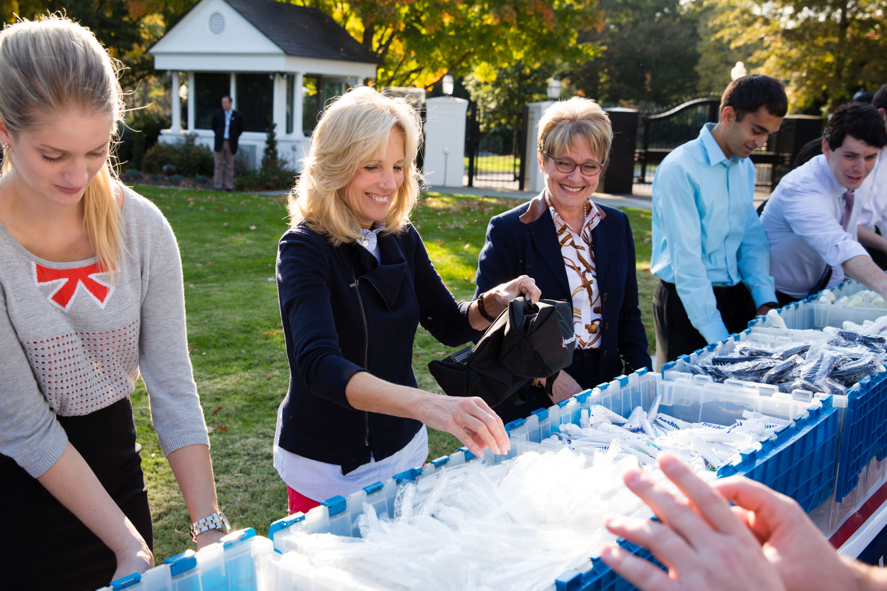 Dr. Jill Biden joins Senate Spouses, military spouses and White House volunteers to Support Recovering Troops