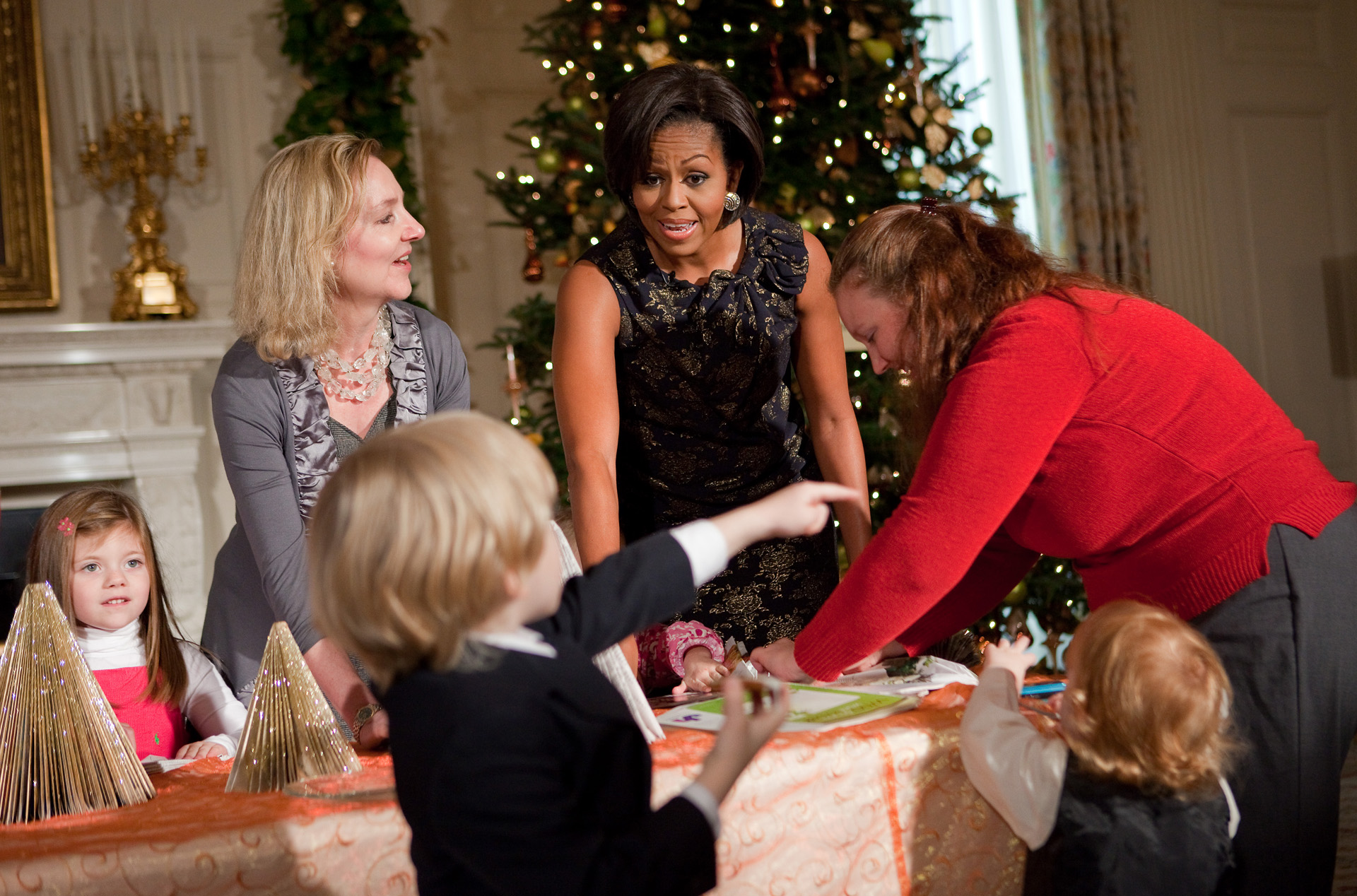 The First Lady Helps Children at the Holiday Preview Create Holiday Cards