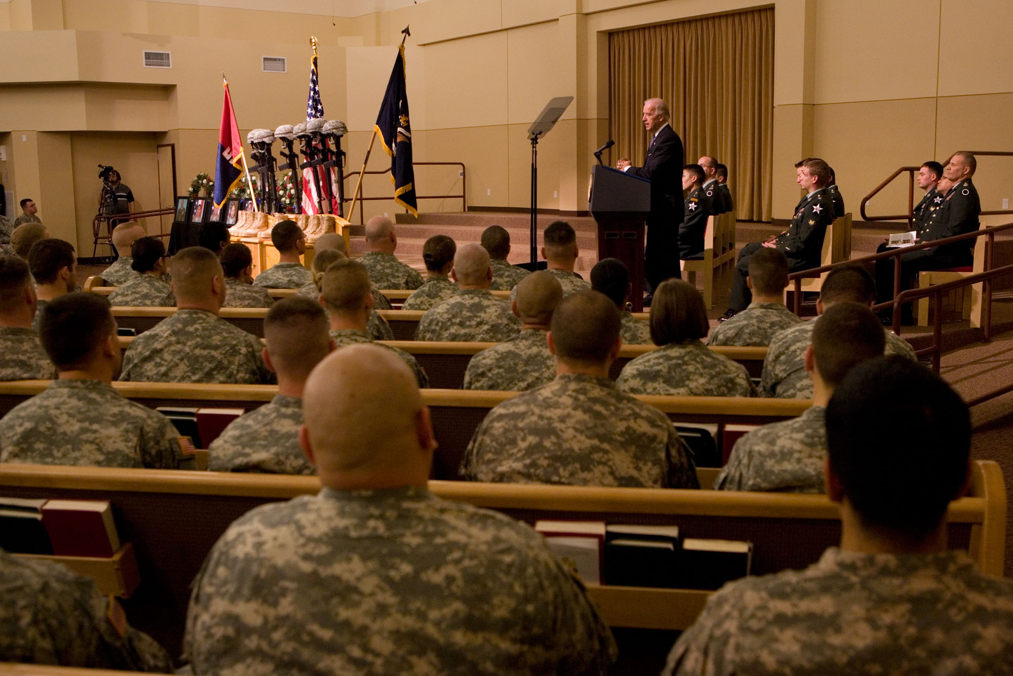 Vice President Speaks at Fort Lewis