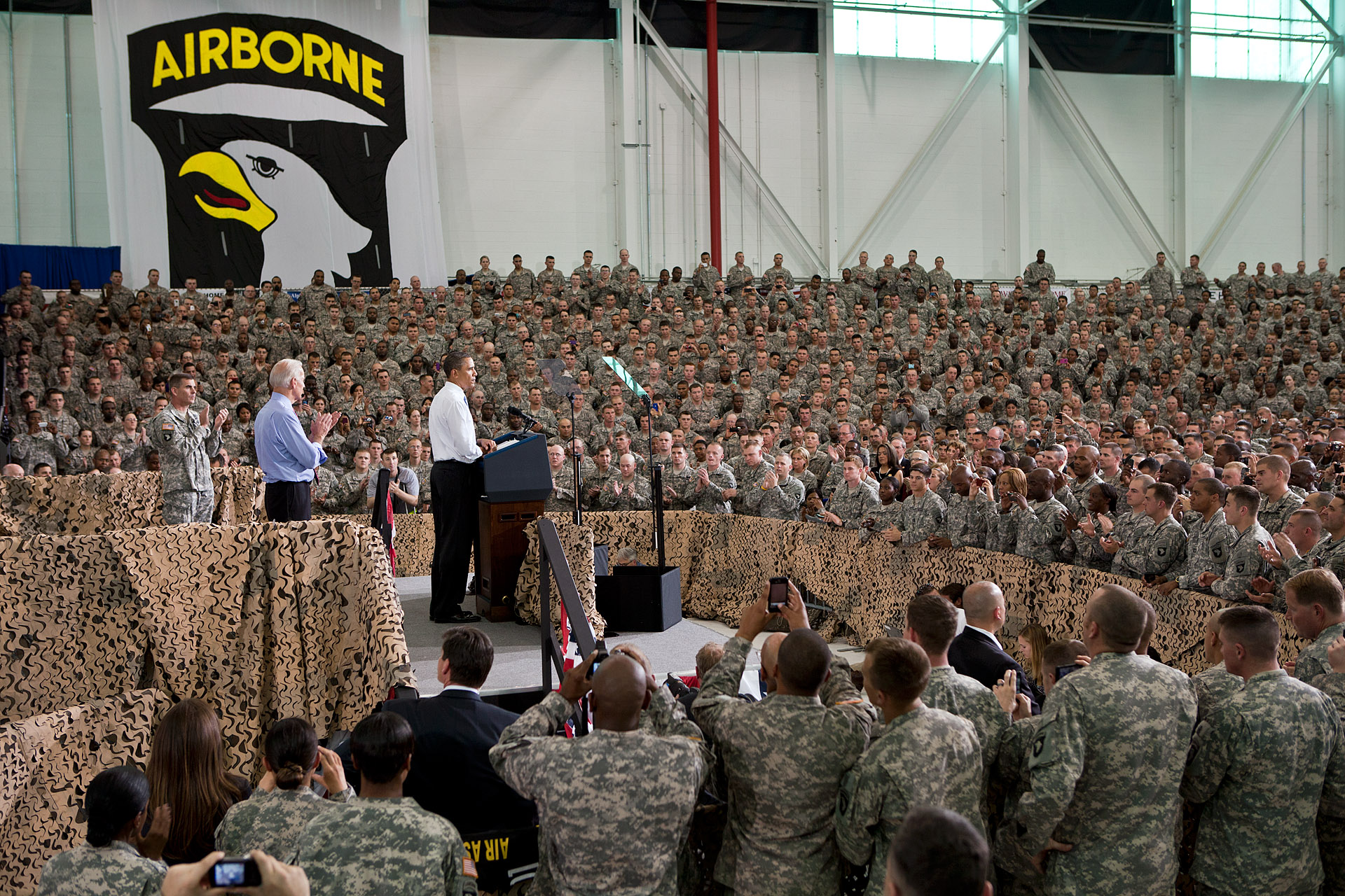 The President and Vice President at Fort Campbell