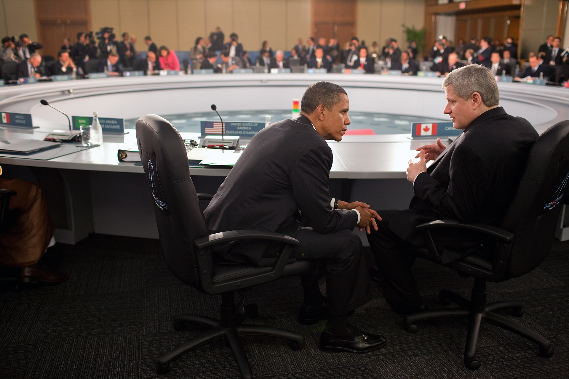 President Barack Obama Talks with Prime Minister Stephen Harper of Canada at the G20 Summit in Toronto