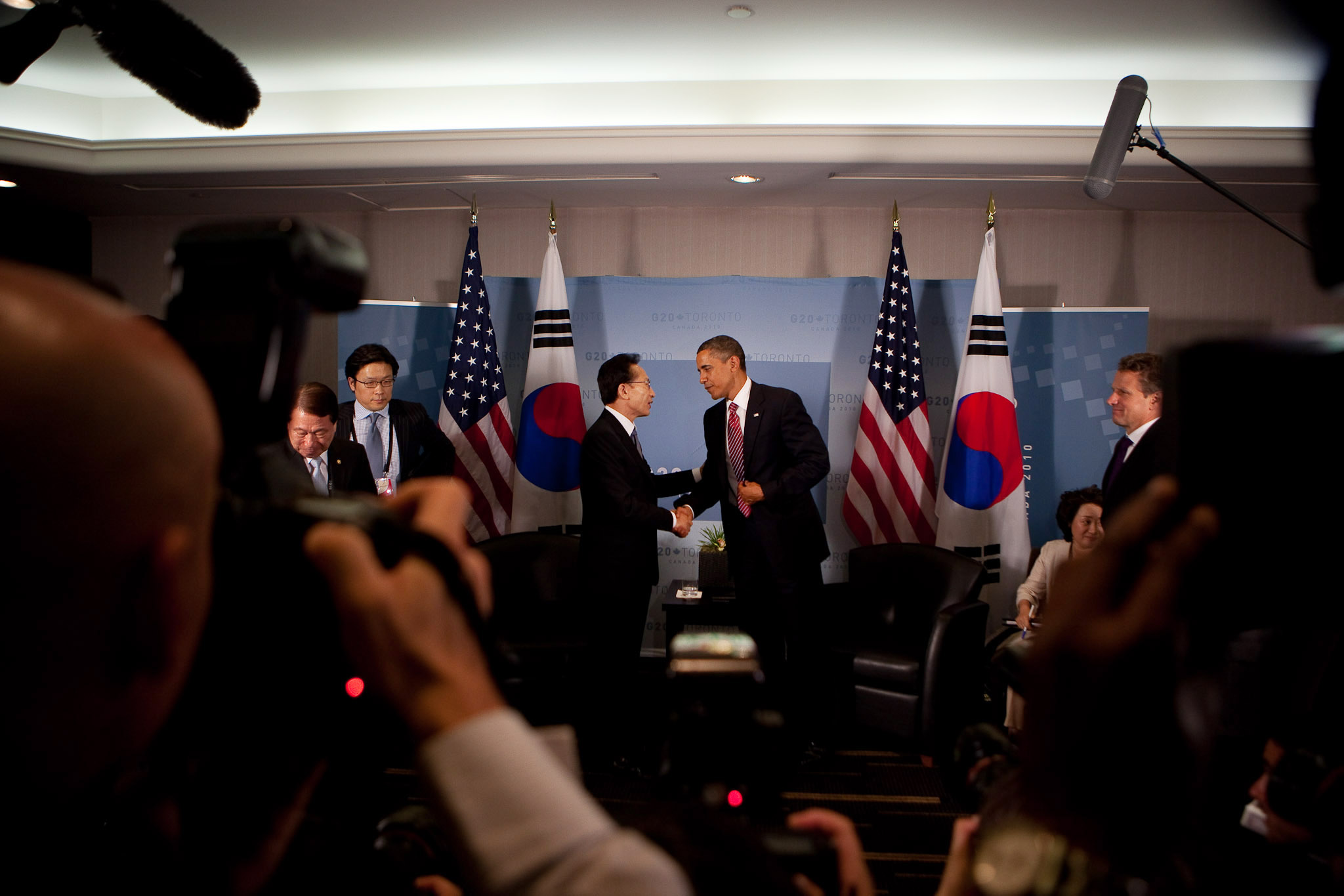 President Barack Obama Shakes Hands with President Lee Myung-Bak of the Republic of Korea at G20 Summit