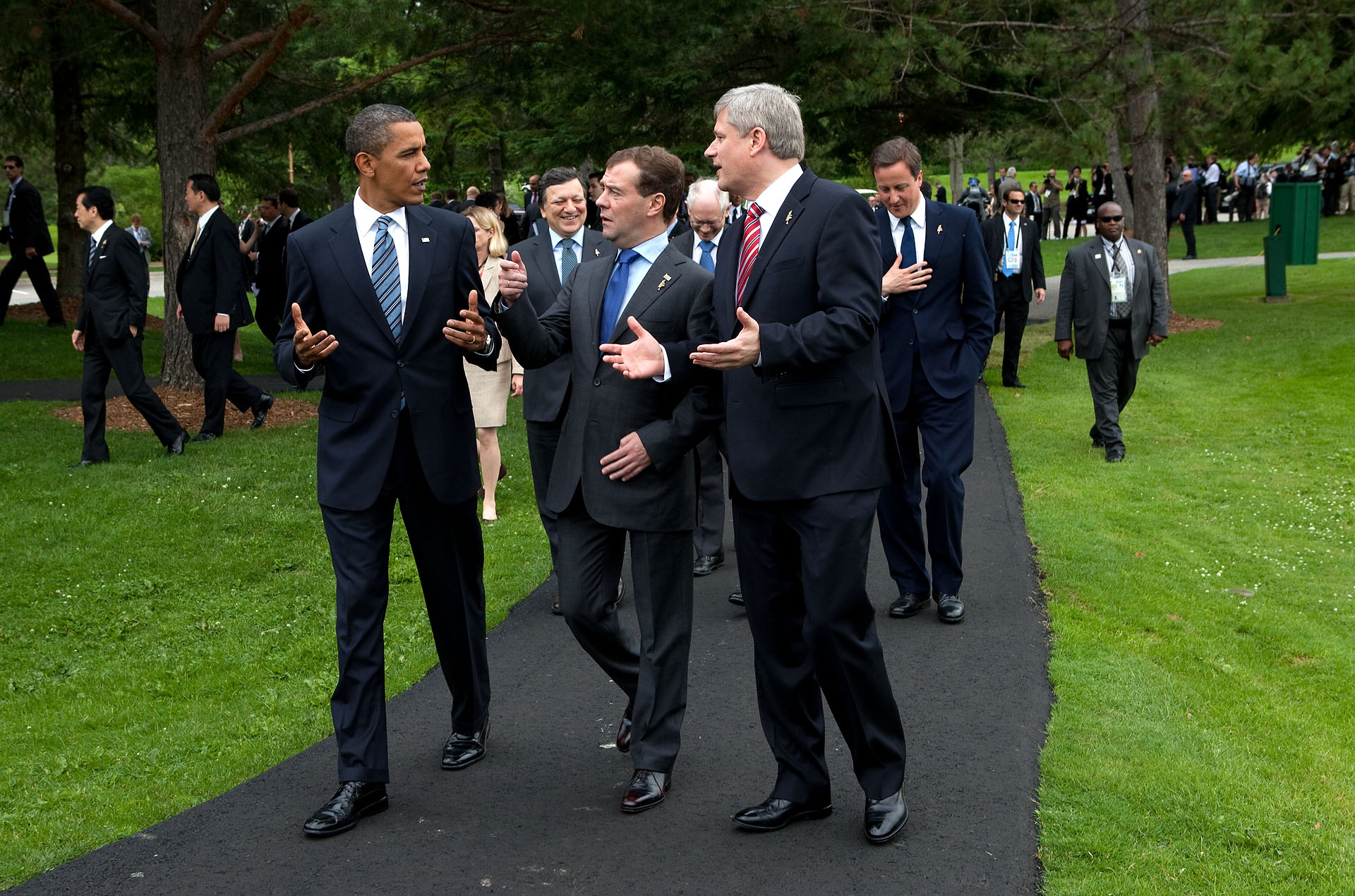 President Barack Obama talks with President Dmitry Medvedev of Russia and Prime Minister Stephen Harper at G8 Summit in Canada