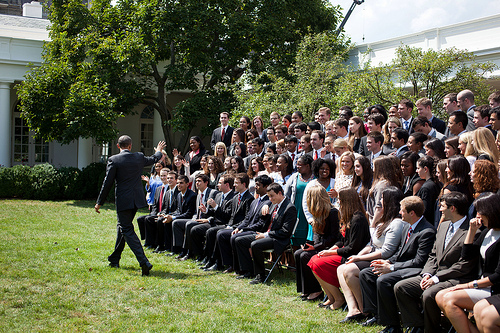 President Obama Waves Goodbye to Summer 2011 Interns