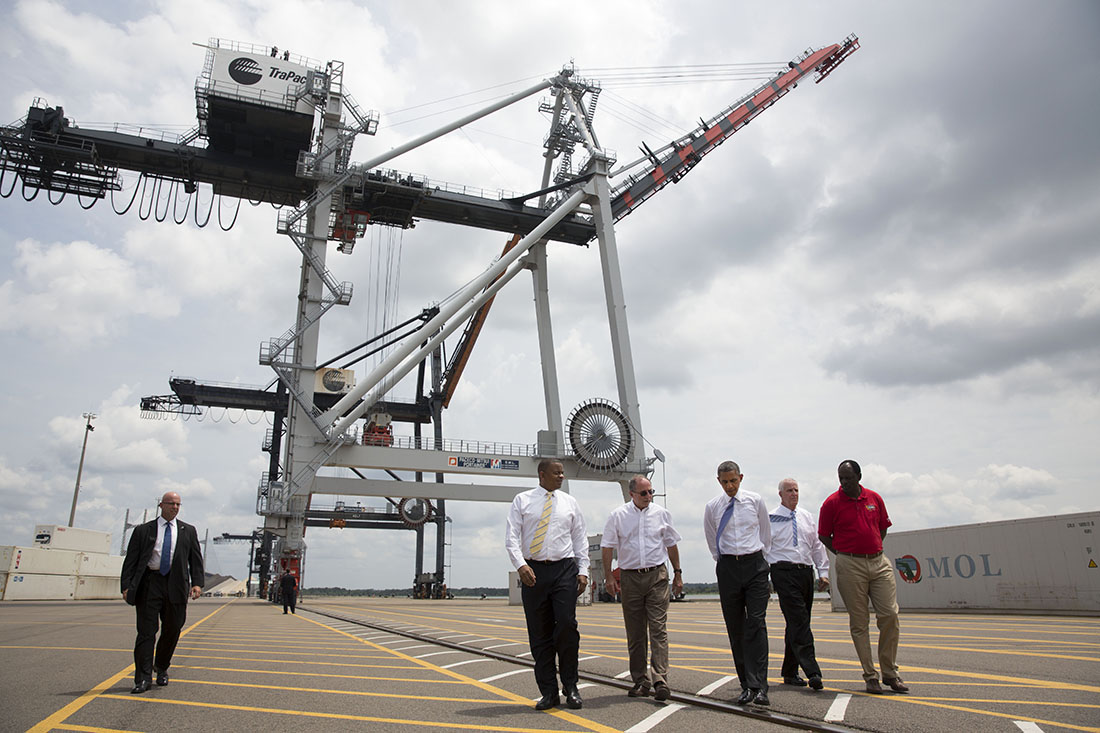 President Barack Obama tours the Jacksonville Port Authority (JAXPORT), in Jacksonville