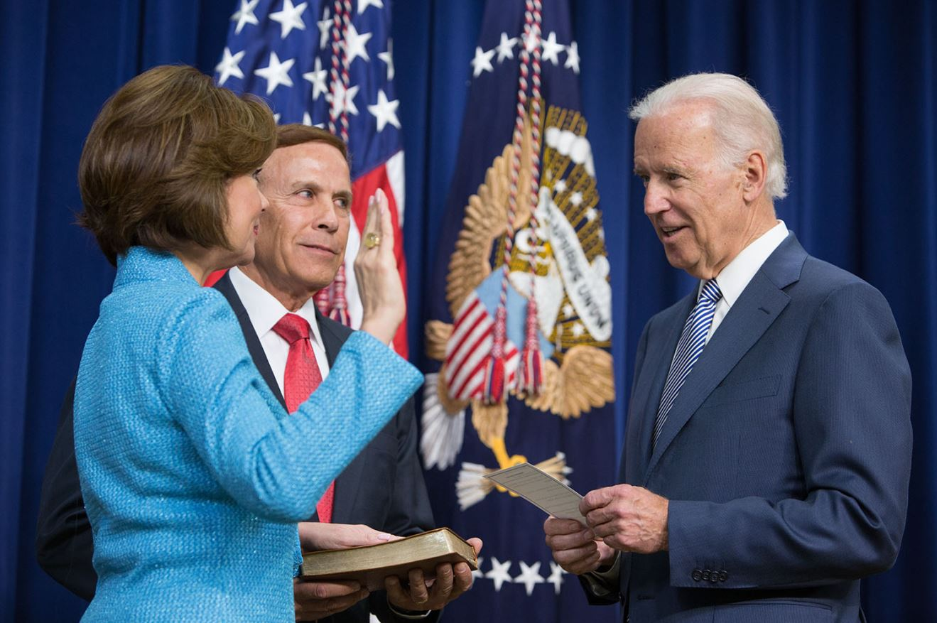 Vice President Joe Biden ceremonially swears in Small Business Administrator Maria Contreras-Sweet,